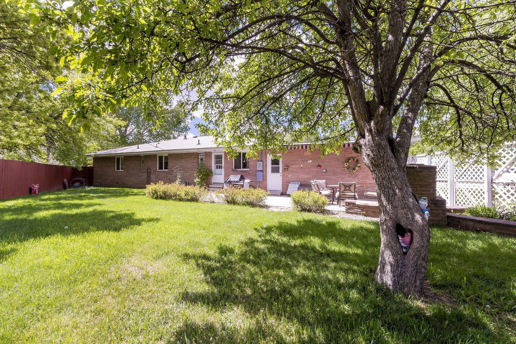 Additional photo for property listing at Immaculate Classic Mid-Century Ranch Home 689 Pershing St. Craig, Colorado 81625 United States