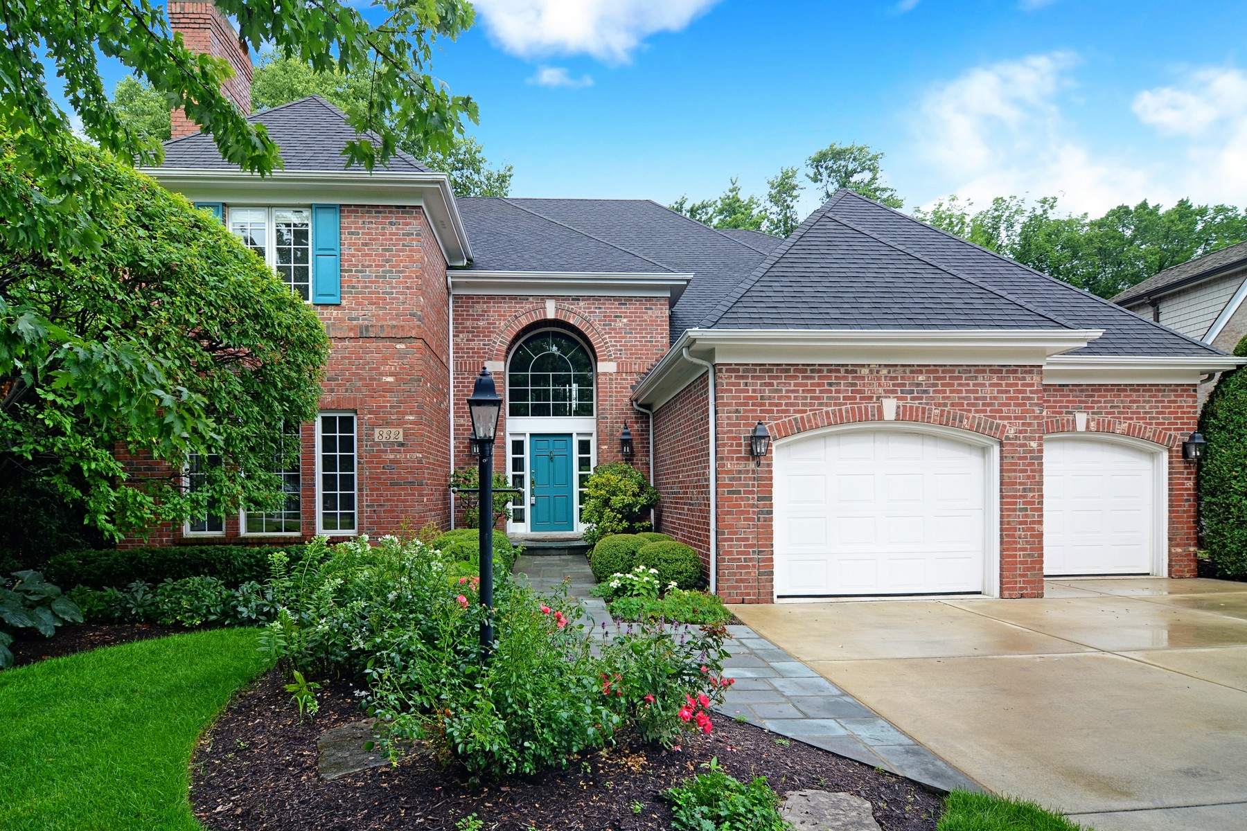 Villa per Vendita alle ore 832 S. Garfield Hinsdale, Illinois, 60521 Stati Uniti