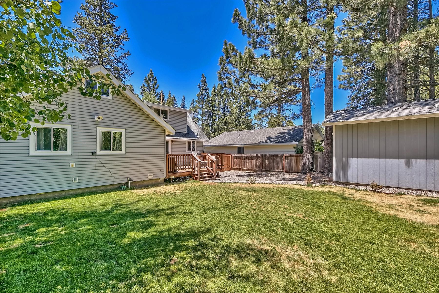 Additional photo for property listing at 2169 Lindenwood, South Lake Tahoe, CA, 96150 2169 Lindenwood Drive South Lake Tahoe, California 96150 United States