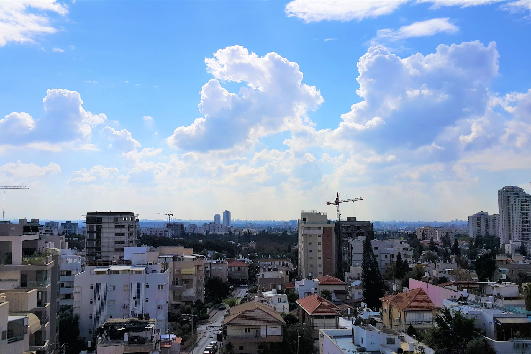 Additional photo for property listing at Stunning Penthouse Apartment with Pastoral Views in Ramat Gan Ramat Gan, Israel Israel