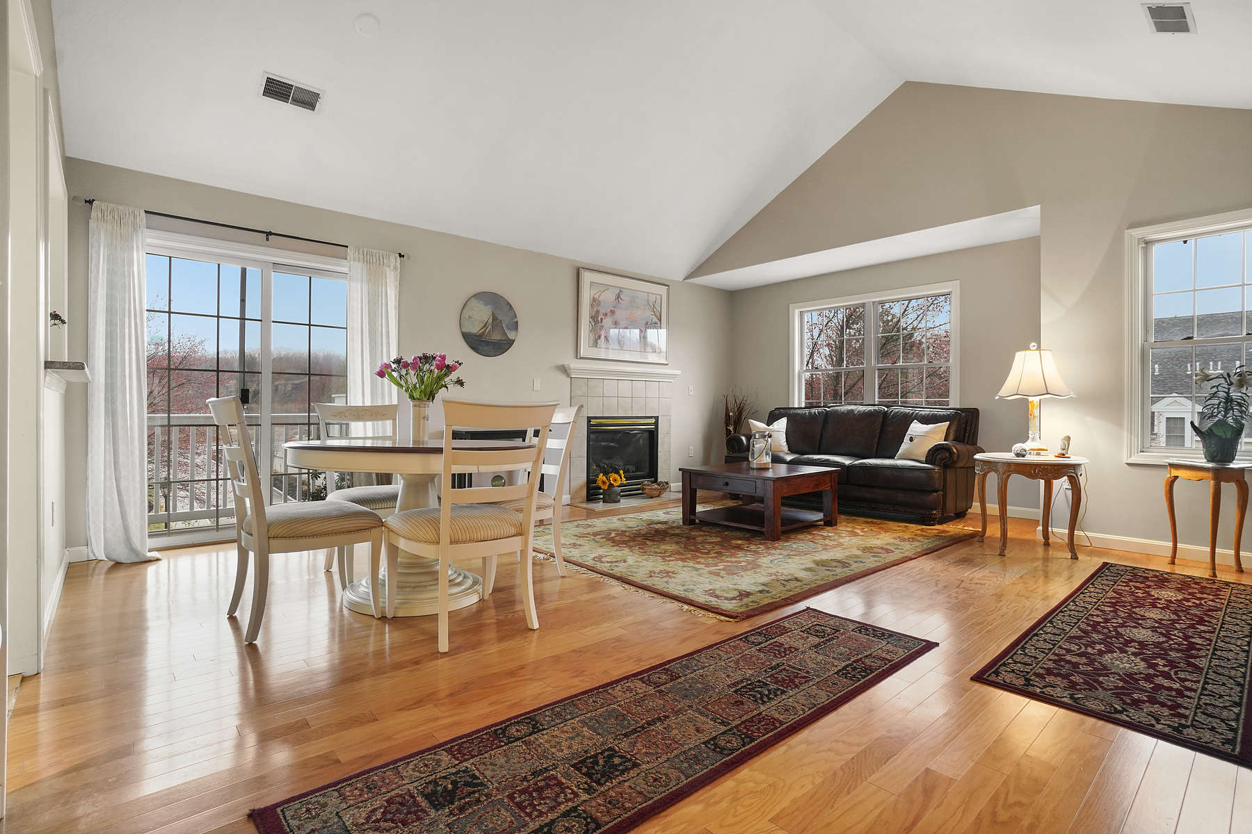 Condominium for Active at Village Drive Townhouse 8 Village Dr. - Unit 8 Quincy, Massachusetts 02169 United States