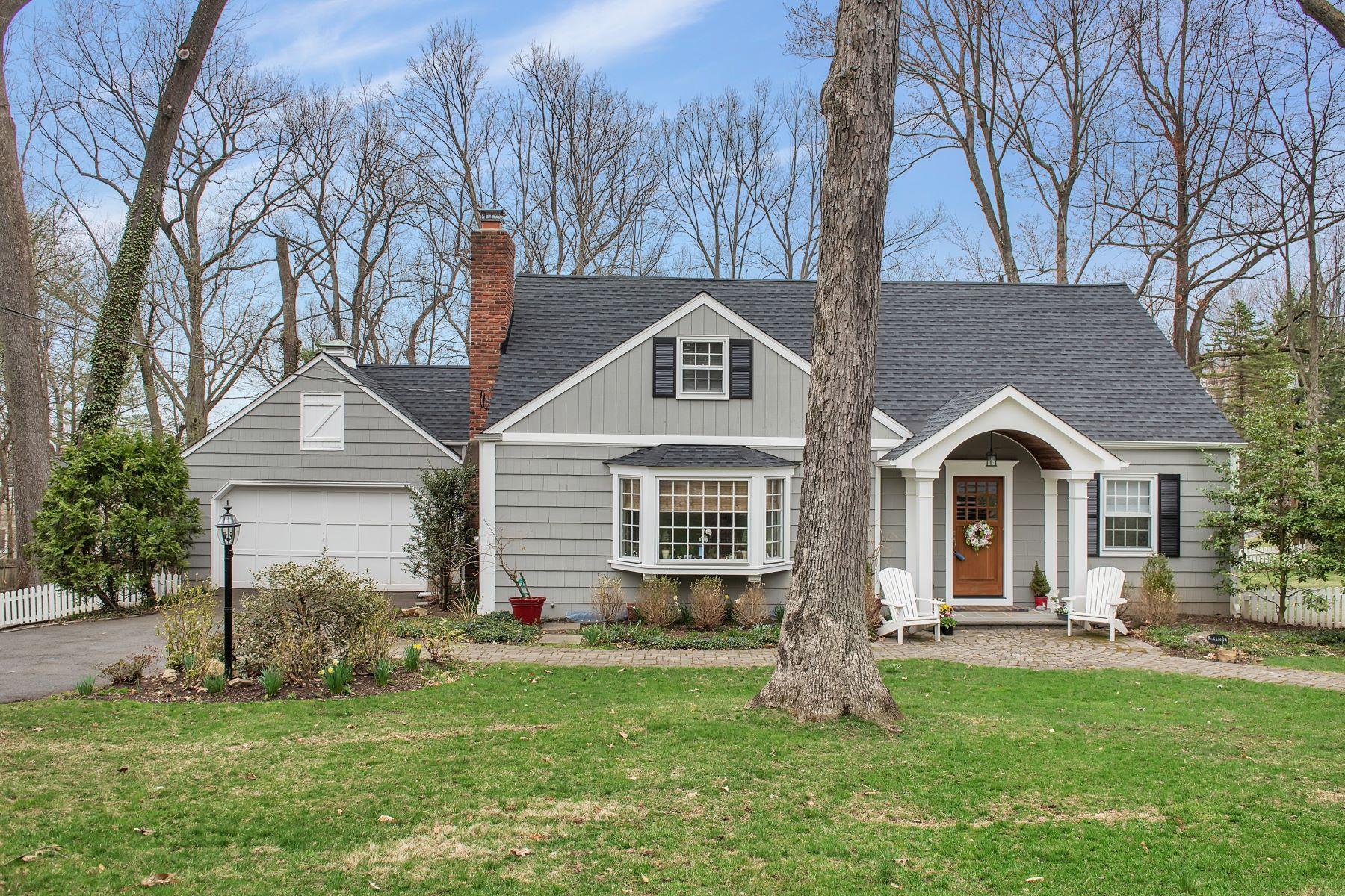 Maison unifamiliale pour l Vente à Turn Key Cape 33 Tall Oaks Drive, New Providence, New Jersey 07974 États-Unis