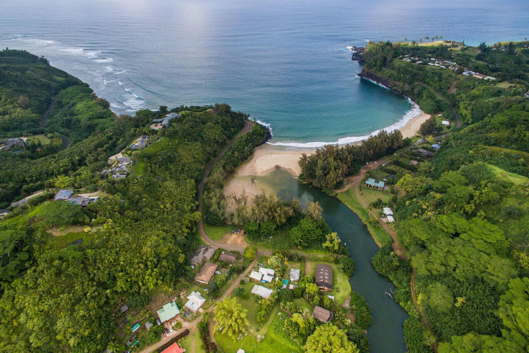 Частный односемейный дом для того Продажа на Beautiful Prime Kalihiwai Valley Property Just Steps to River and Bay 3167 Kalihiwai Road #B Kilauea, Гавайи 96754 Соединенные Штаты