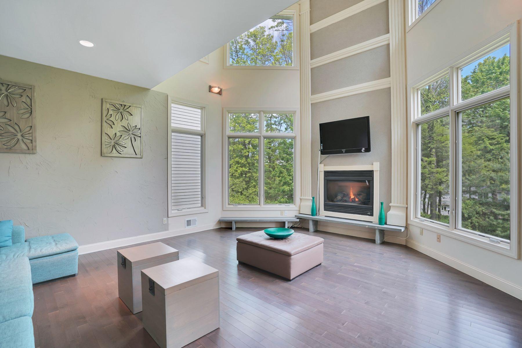 Single Family Homes pour l Vente à Desirable Open Concept 20 Upper Mountain Avenue, Montville, New Jersey 07045 États-Unis