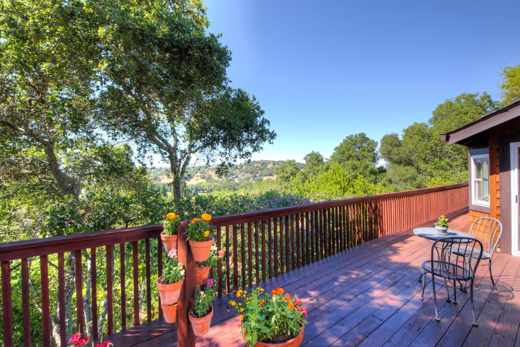 Additional photo for property listing at Wonderful View Home in Marin Country Club 125 Pebble Beach Drive Novato, Californie 94949 États-Unis
