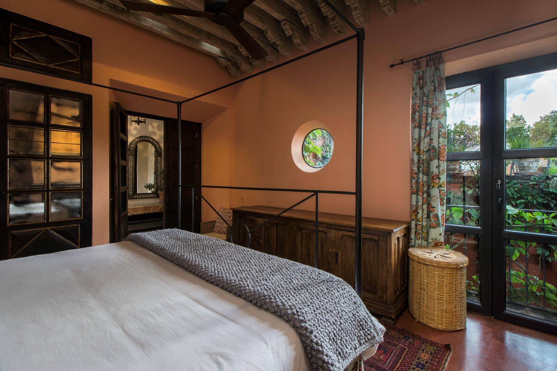 Additional photo for property listing at CASA DOS PECES Centro, San Miguel De Allende, Guanajuato México