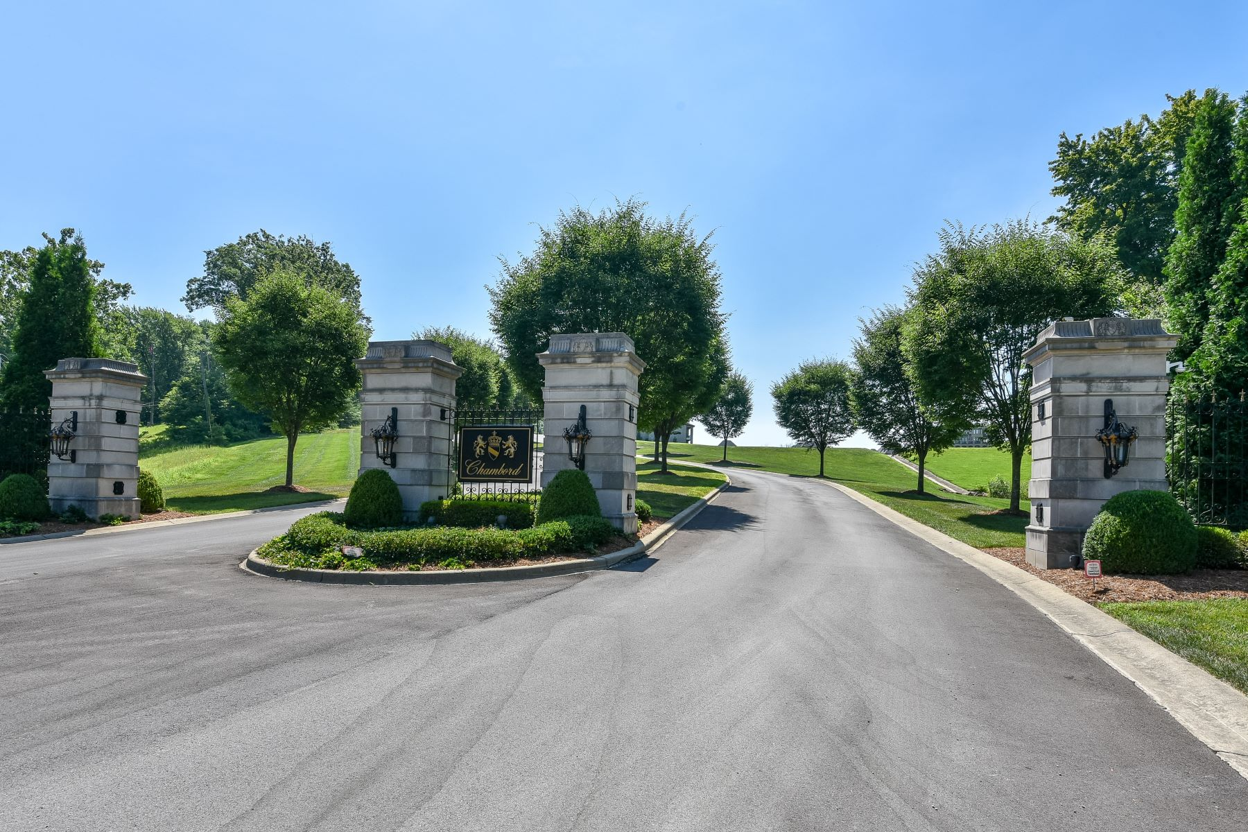 Land for Active at lot 3 Cote de Chambord 3 Cote de Chambord Floyds Knobs, Indiana 47119 United States