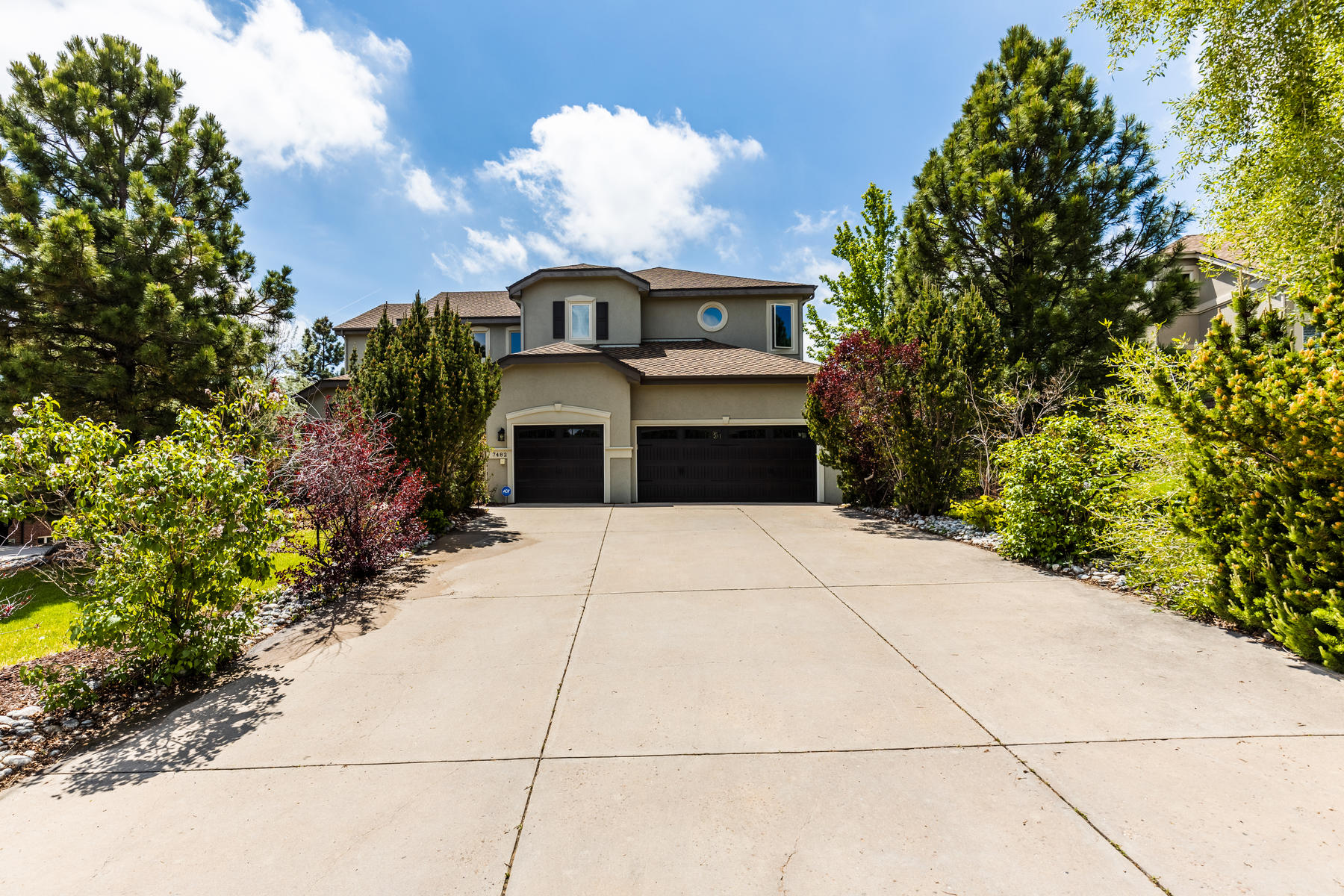 Single Family Homes for Active at Stunning Home On the Golf Course in Geln Oakes 7482 Glen Ridge Drive Castle Pines, Colorado 80108 United States