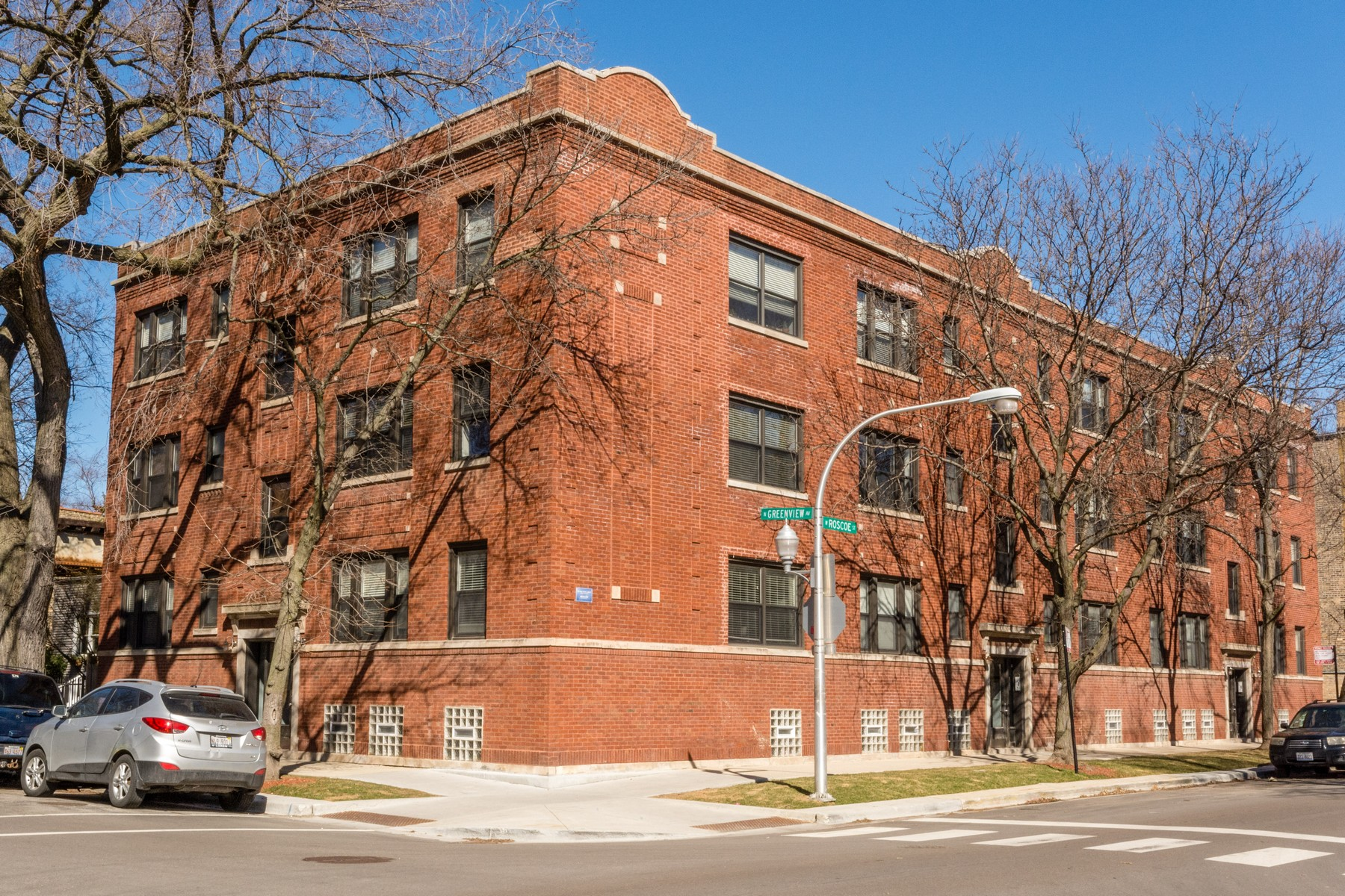 獨棟家庭住宅 為 出售 在 Southport Corridor raised first floor 1454 W Roscoe Unit 1E, Chicago, 伊利諾斯州, 60657 美國