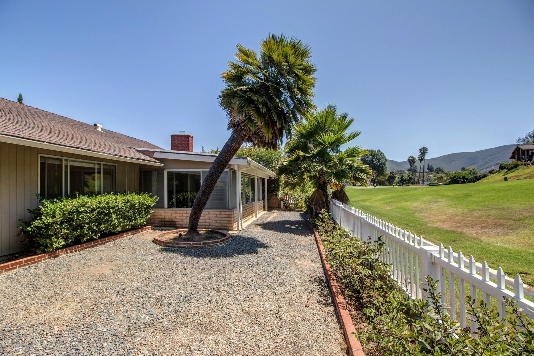 独户住宅 为 销售 在 918 San Pablo Drive 圣马科斯, 加利福尼亚州, 92078 美国
