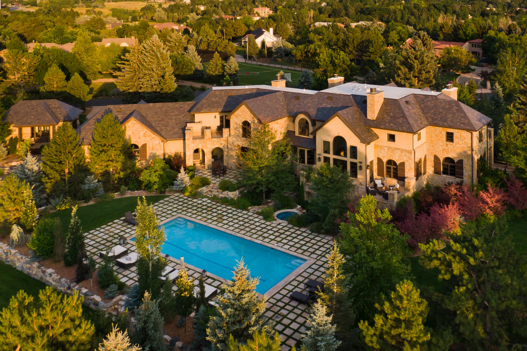 Single Family Homes للـ Sale في Stately Manor Boasting Rustic Elegance 5901 Piedmont Drive, Cherry Hills Village, Colorado 80111 United States