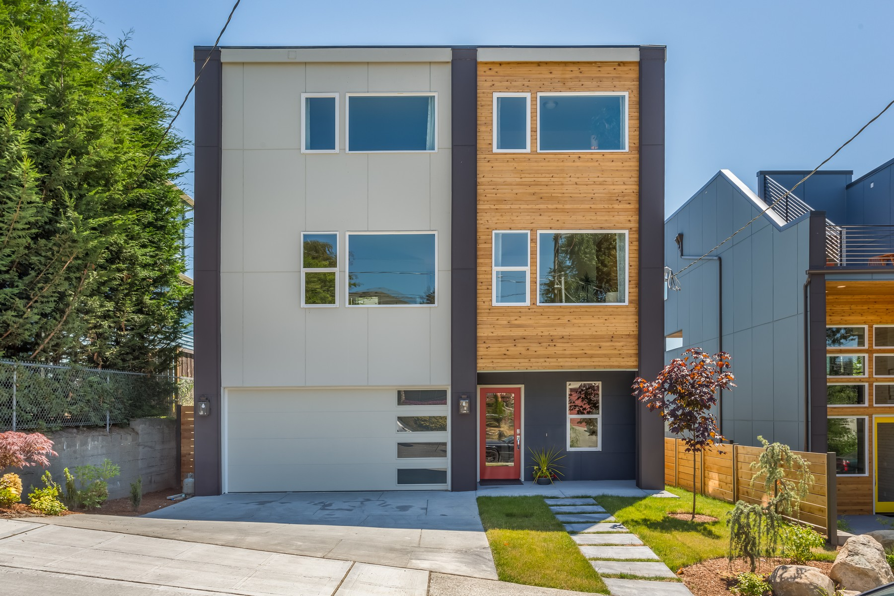 Single Family Home for Sale at Stunning Seattle Contemporary 5107 S Myrtle Street Seattle, Washington 98118 United States