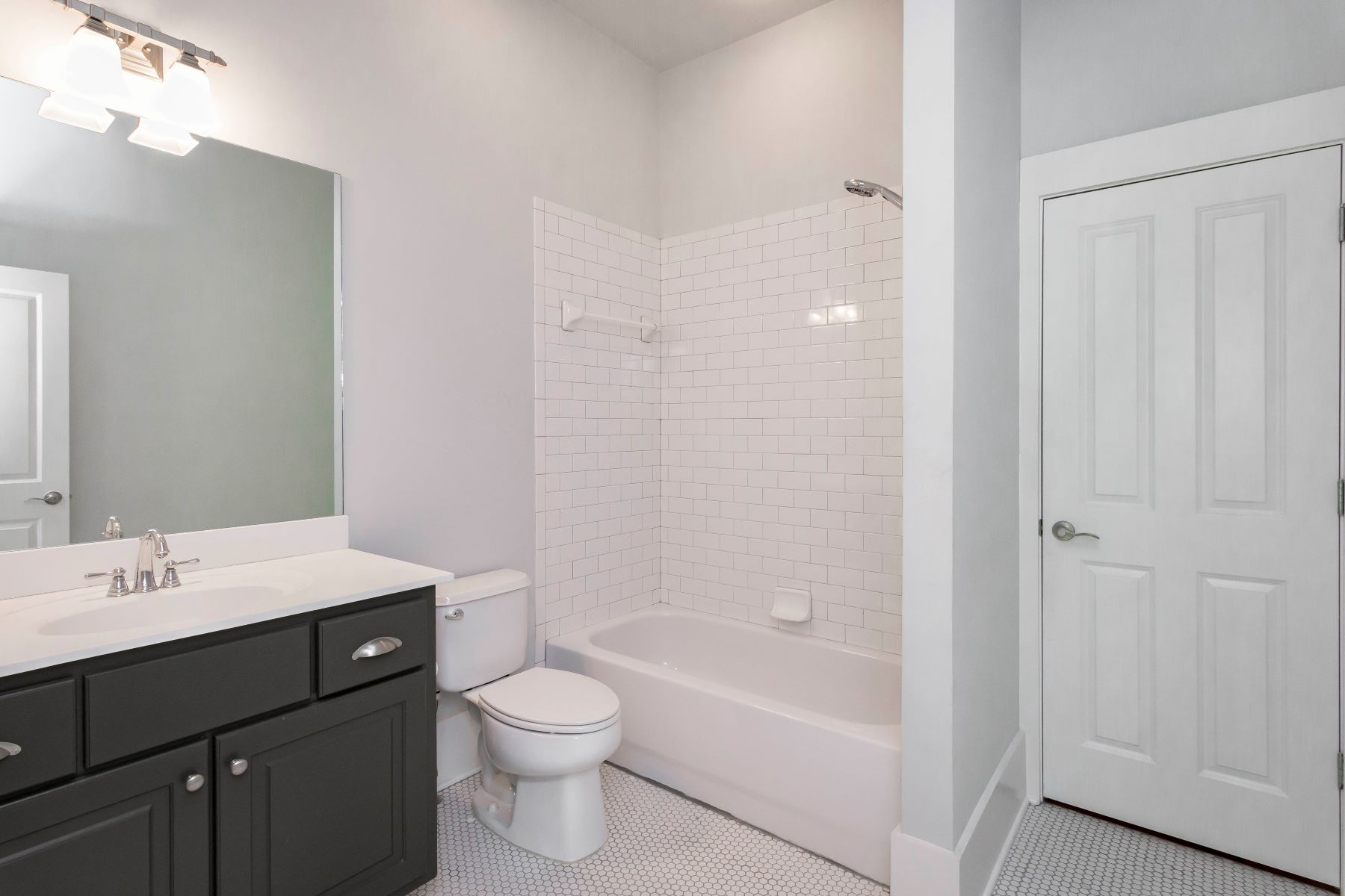 Additional photo for property listing at Charming Townhouse With Master On Main In Serenbe Community 10671 Serenbe Lane, Chattahoochee Hills, Джорджия 30268 Соединенные Штаты
