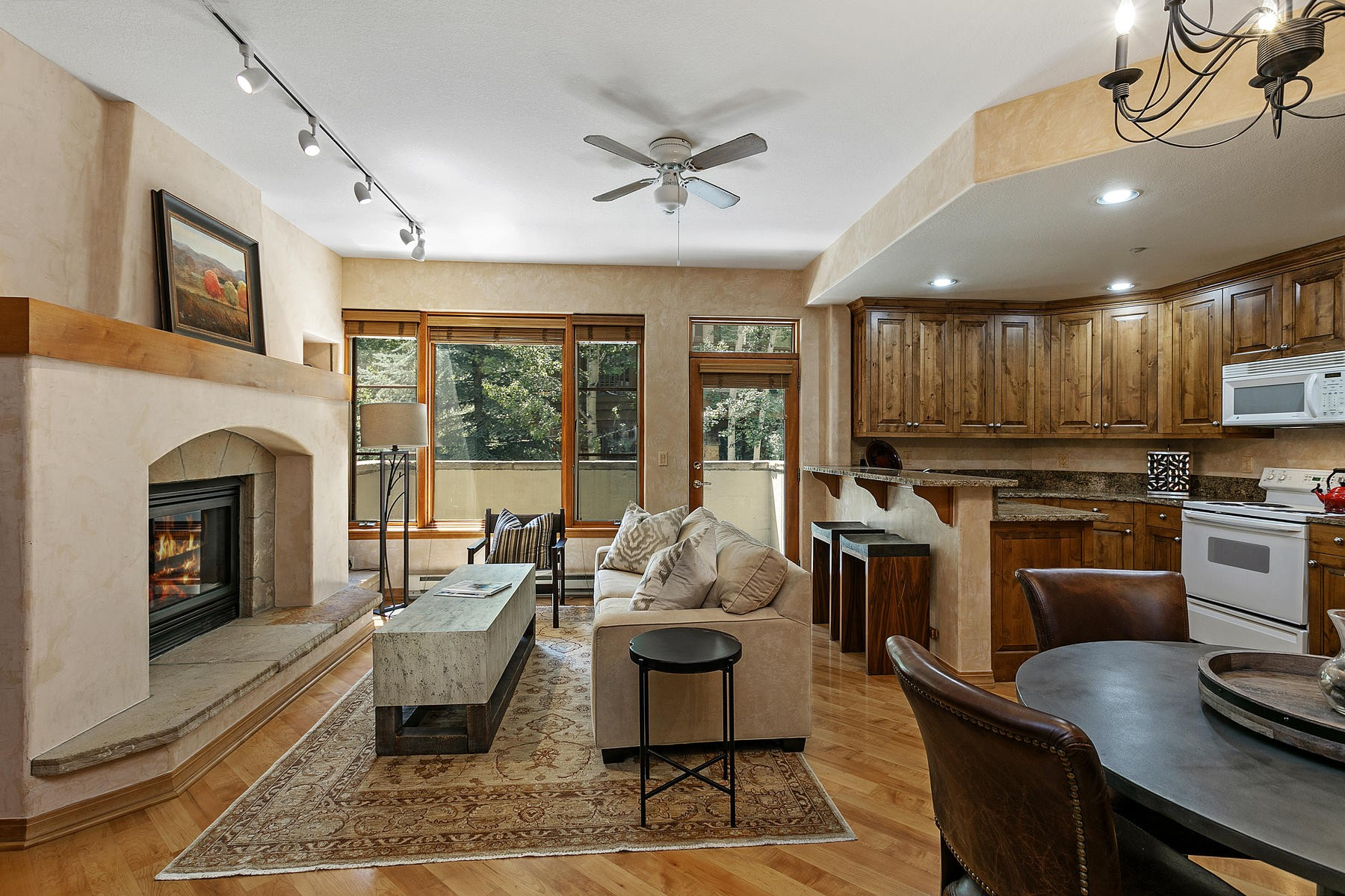 Condominiums للـ Sale في Spruce Tree Lodge #202 627 Sawatch Drive #202, Edwards, Colorado 81632 United States