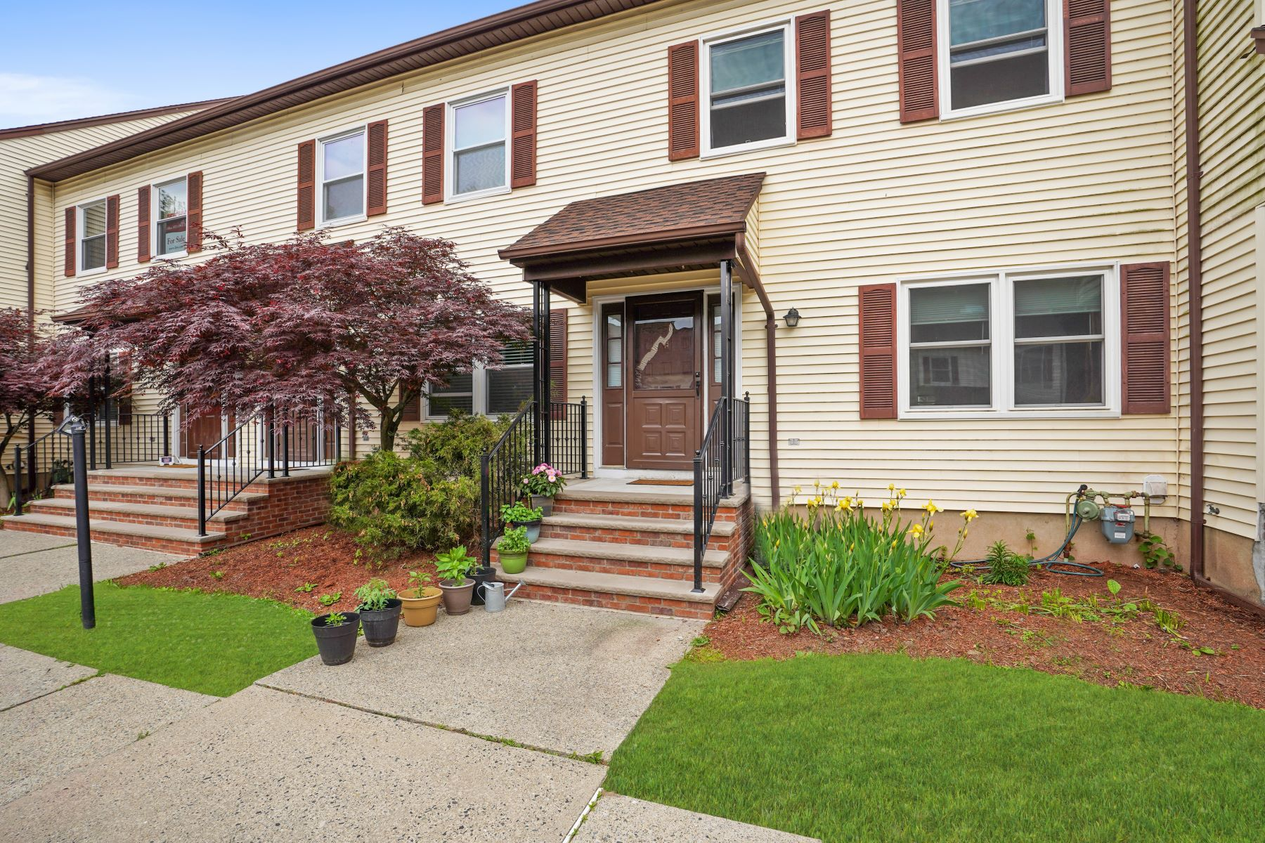 townhouses for Sale at Modernly Updated Townhouse 2 Cory Road Unit E Morris Township, New Jersey 07960 United States
