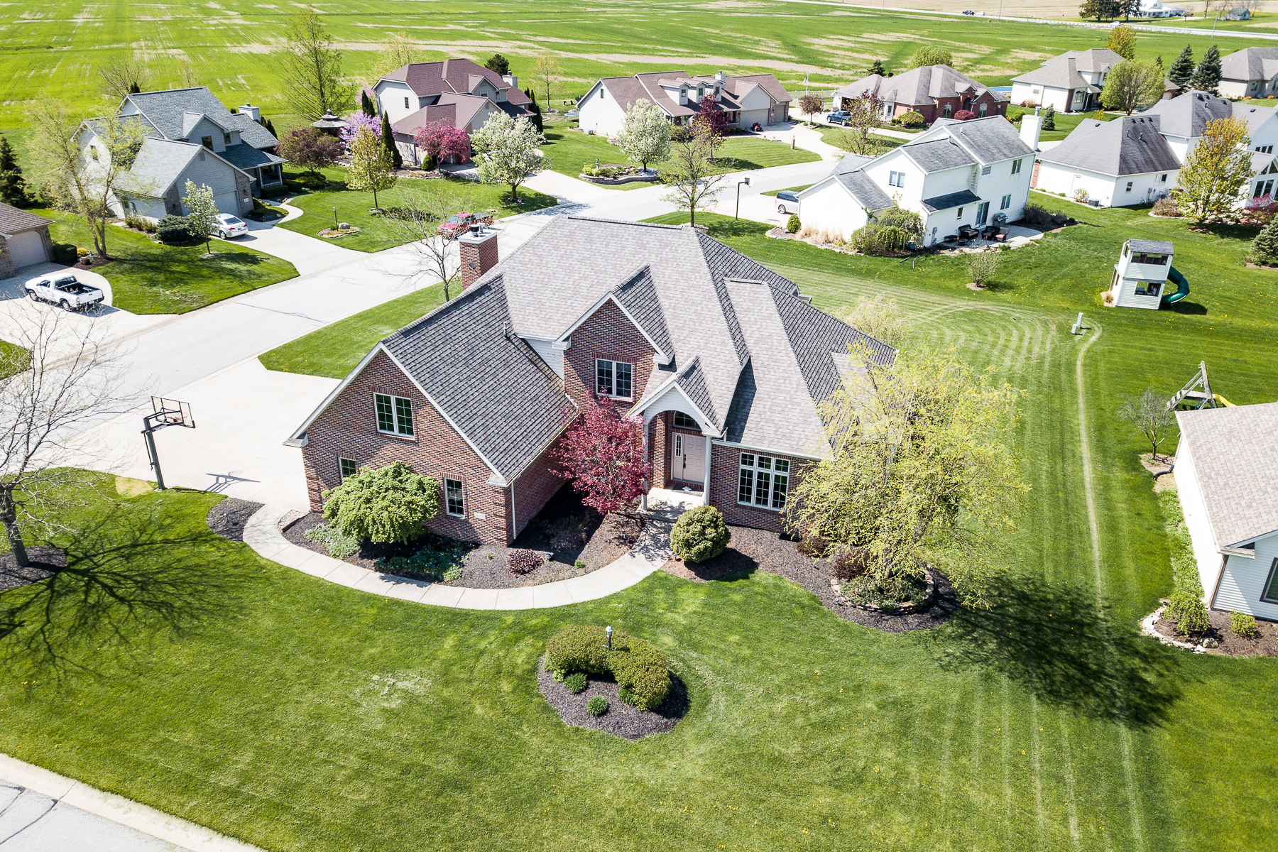 single family homes for Active at 5 Bedrooms on a Finished Basement 1628 Brook Court Ossian, Indiana 46777 United States