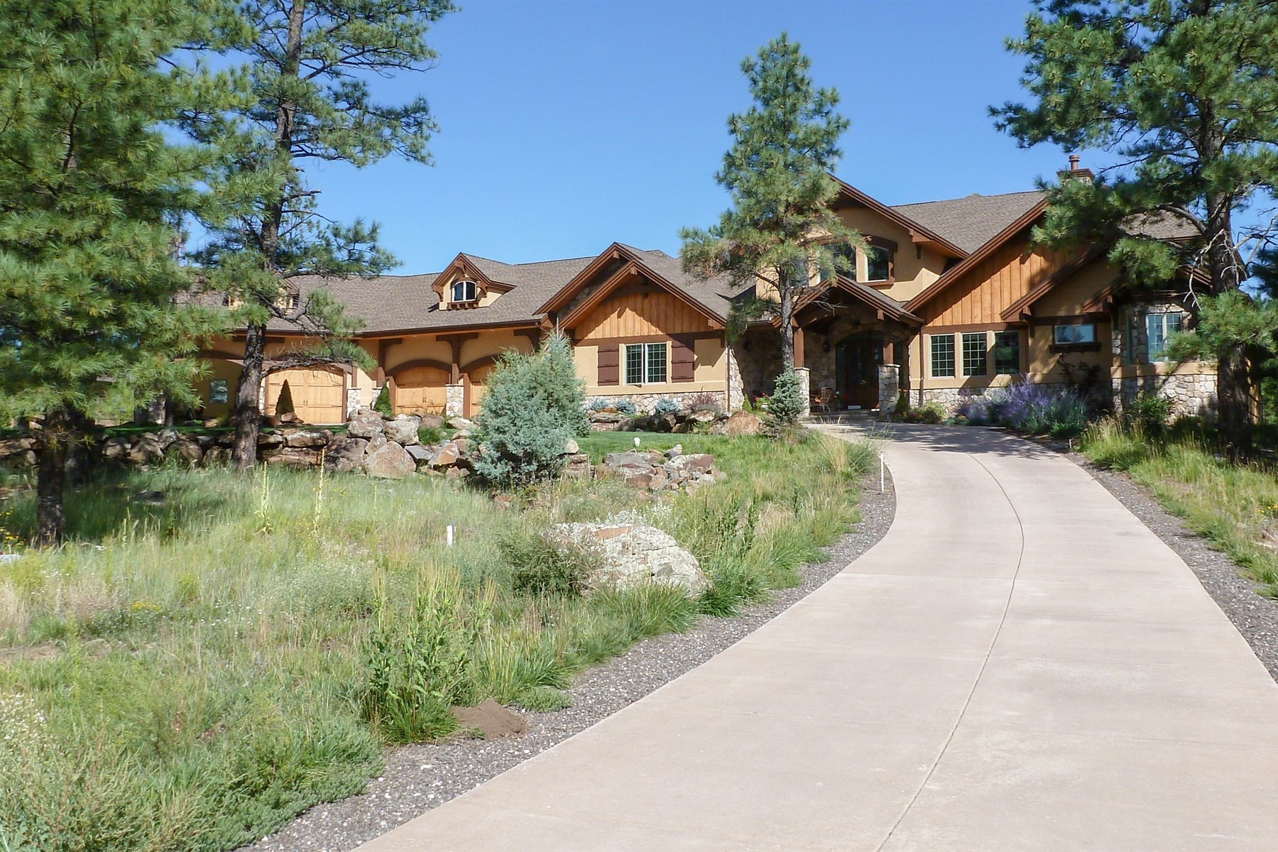 Single Family Home for Sale at Beautiful Lockett Ranch home 205 E Flat Rock Flagstaff, Arizona, 86001 United States
