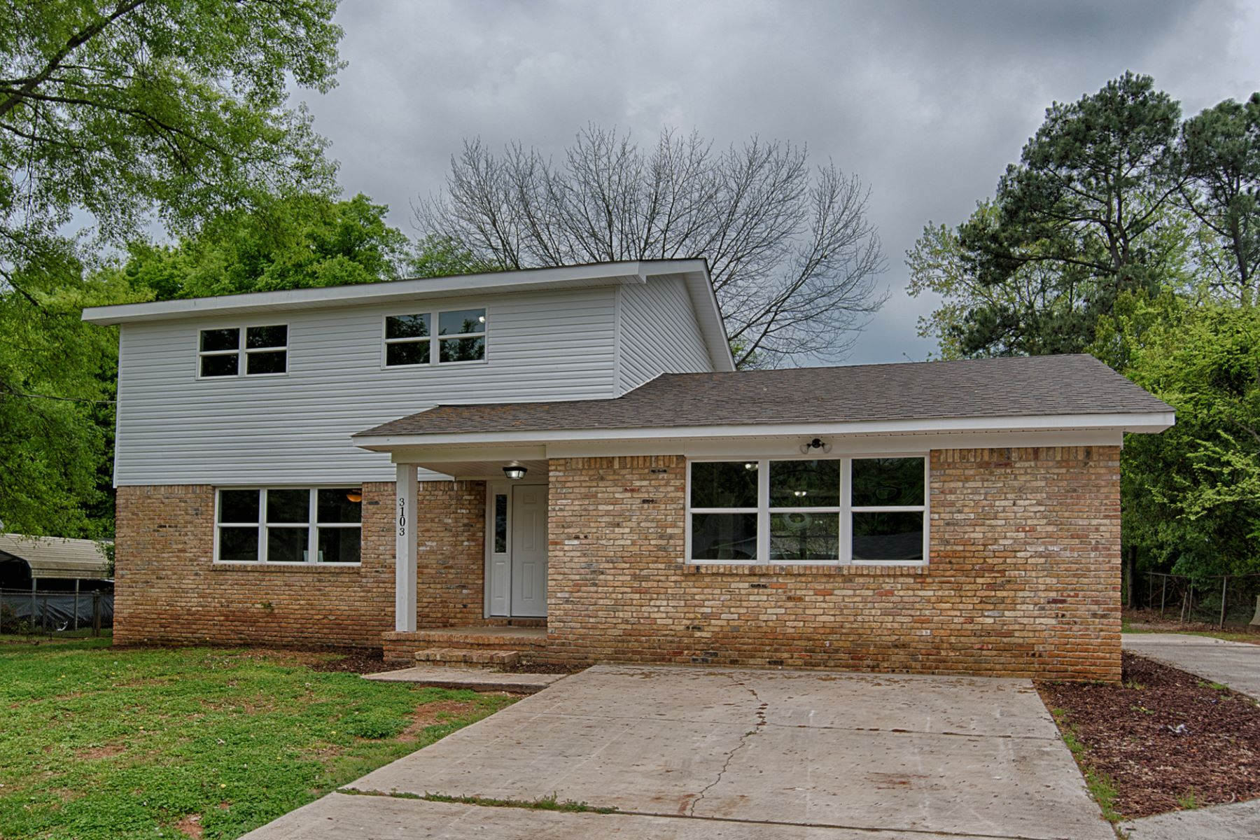 Single Family Homes por un Venta en 3103 Doner Circle Huntsville, Alabama 35810 Estados Unidos