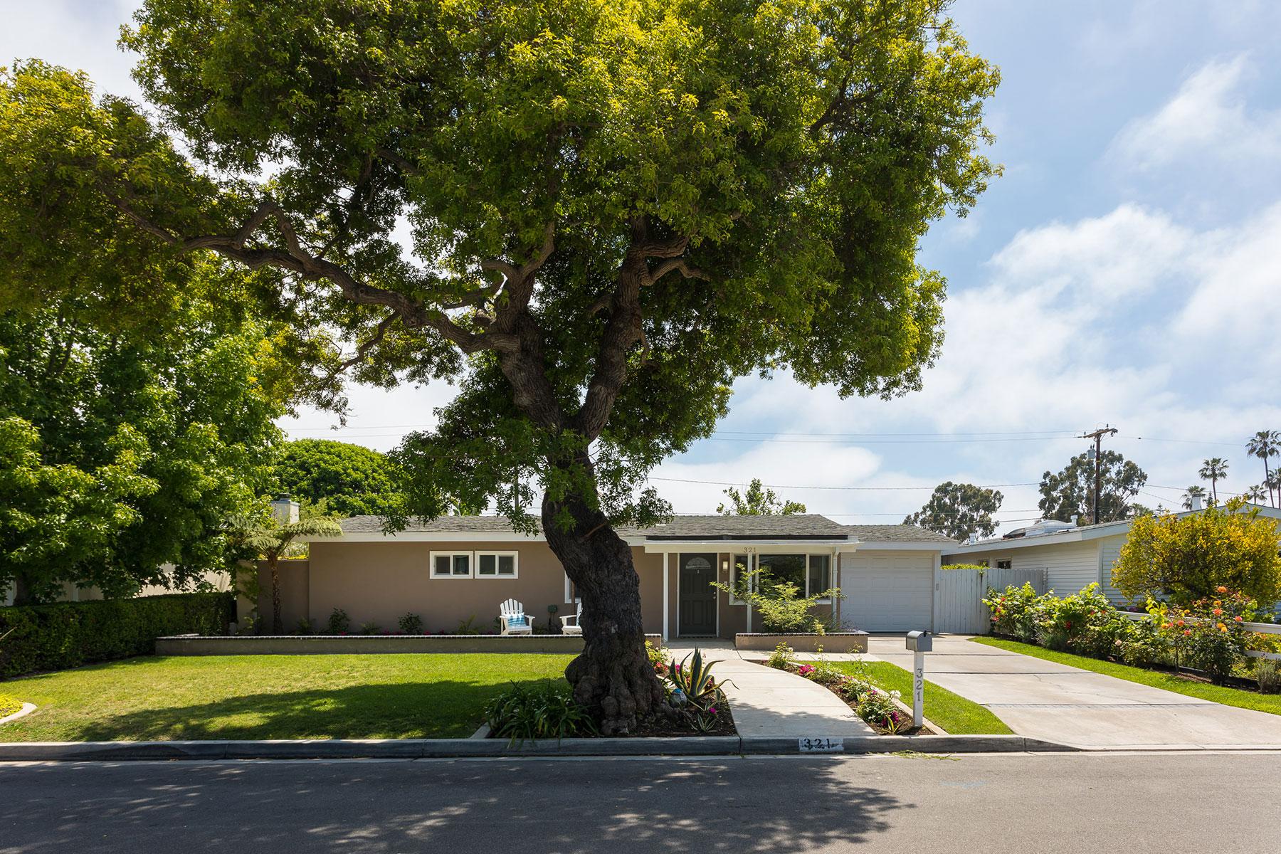 Maison unifamiliale pour l Vente à 321 Ramona Costa Mesa, Californie 92627 États-Unis