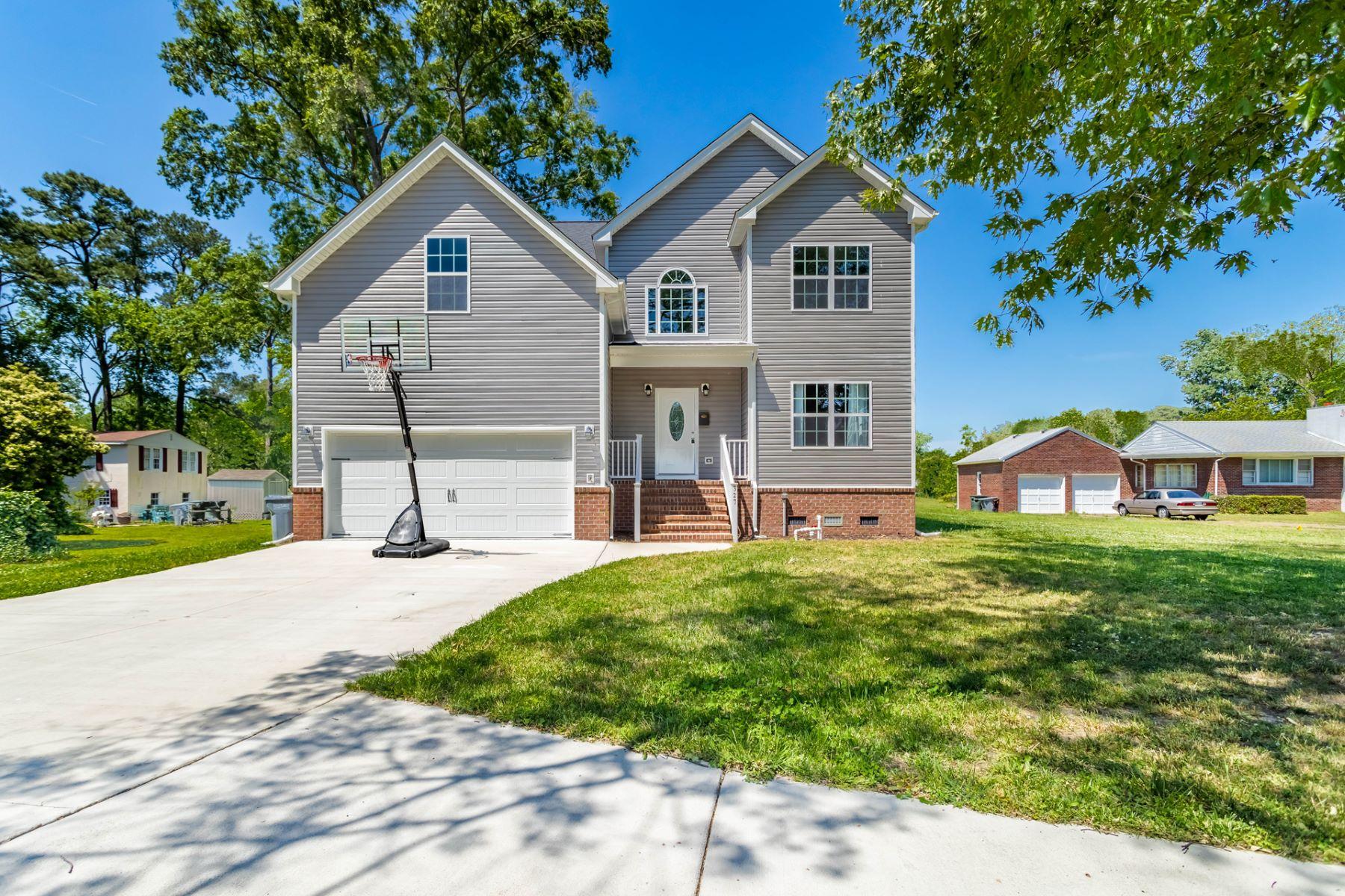 Single Family Homes のために 売買 アット Hampton Langley 327 Fox Hill Road, Hampton, バージニア 23669 アメリカ