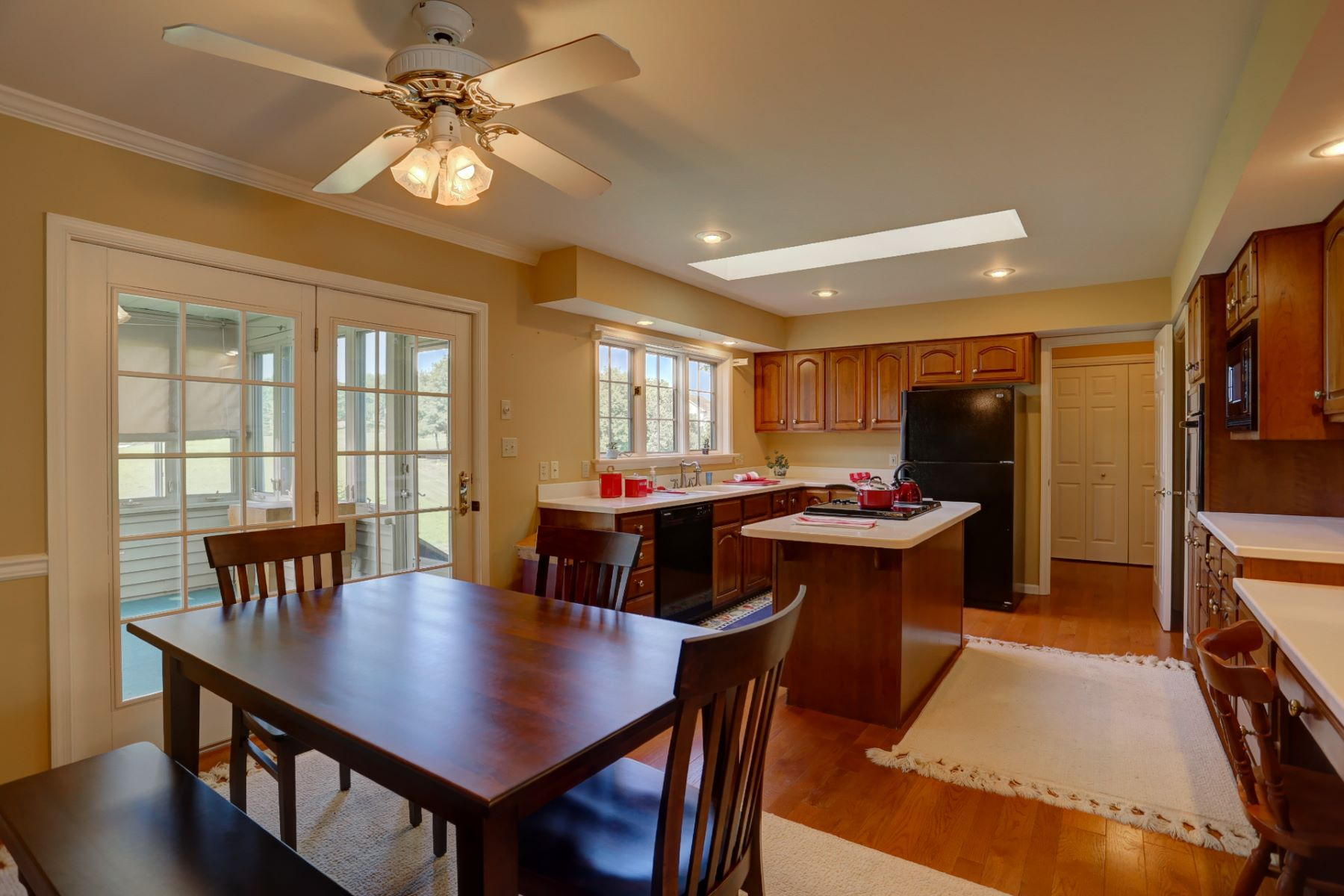 Additional photo for property listing at 398 West Woods Drive  Lititz, 賓夕法尼亞州 17543 美國
