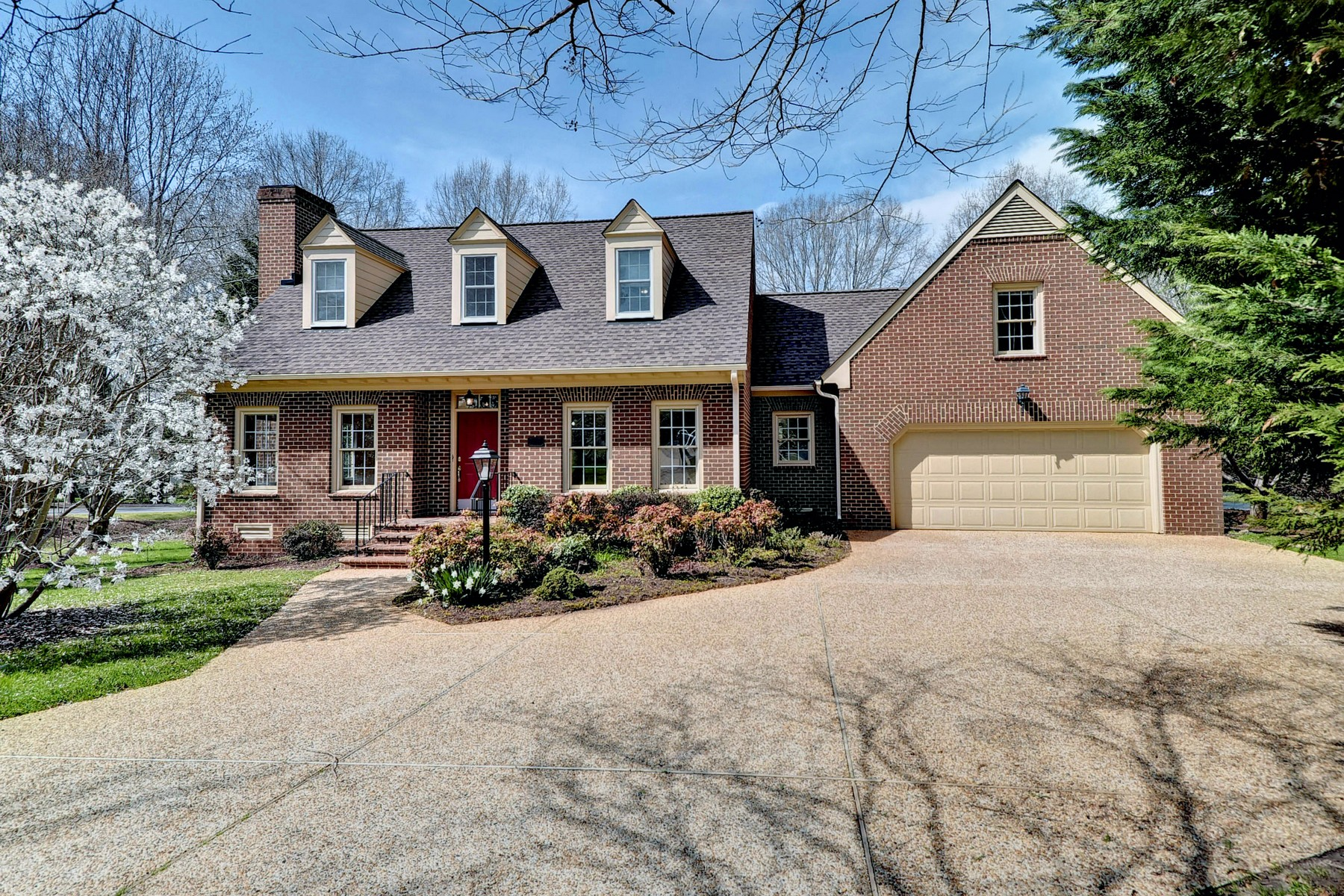 Single Family Home for Sale at 105 Ascot in Ford's Colony 105 Ascot Williamsburg, Virginia 23188 United States
