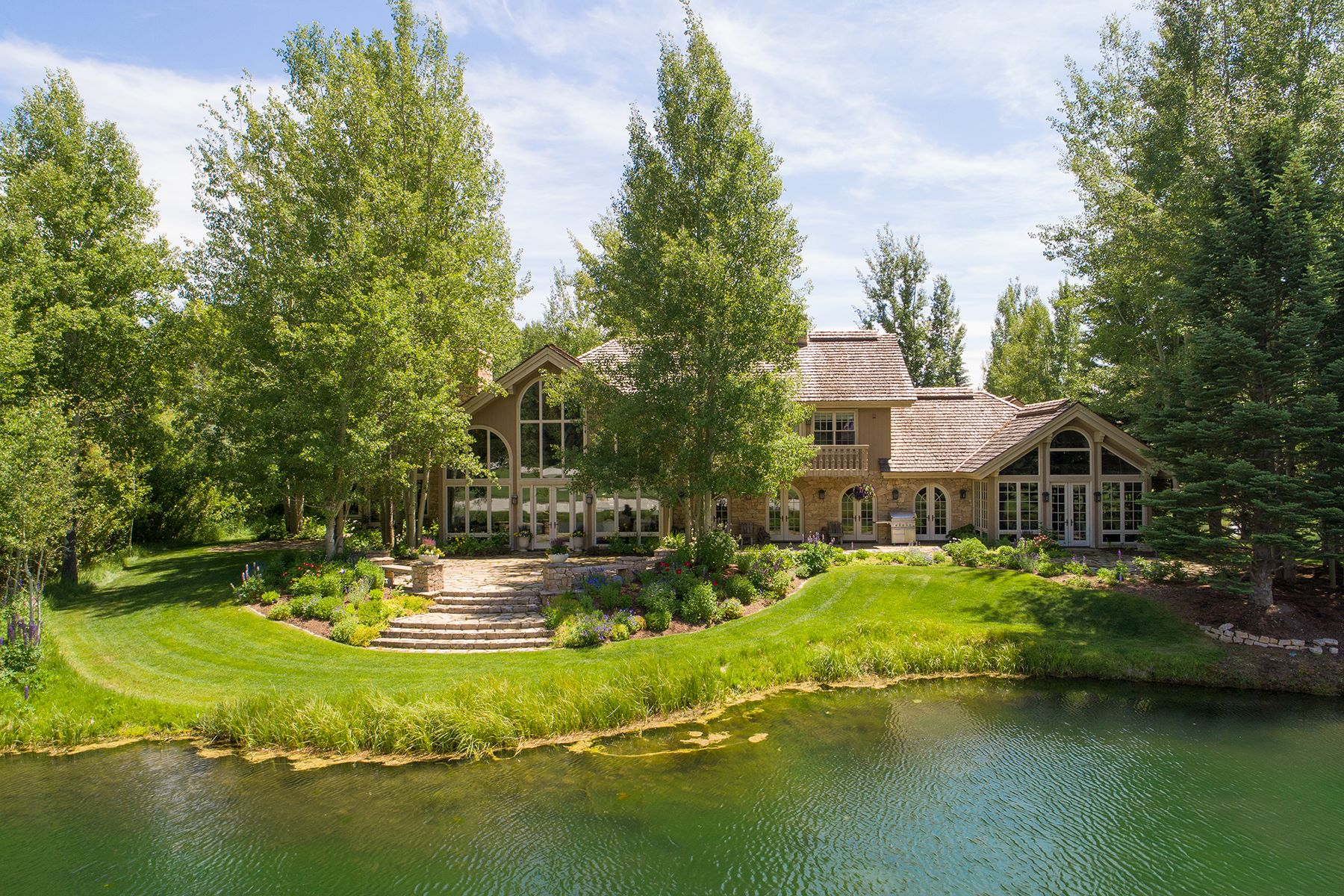 Single Family Homes pour l Vente à Elegance and Privacy in Teton Pines 4275 W Greens Place, Wilson, Wyoming 83014 États-Unis