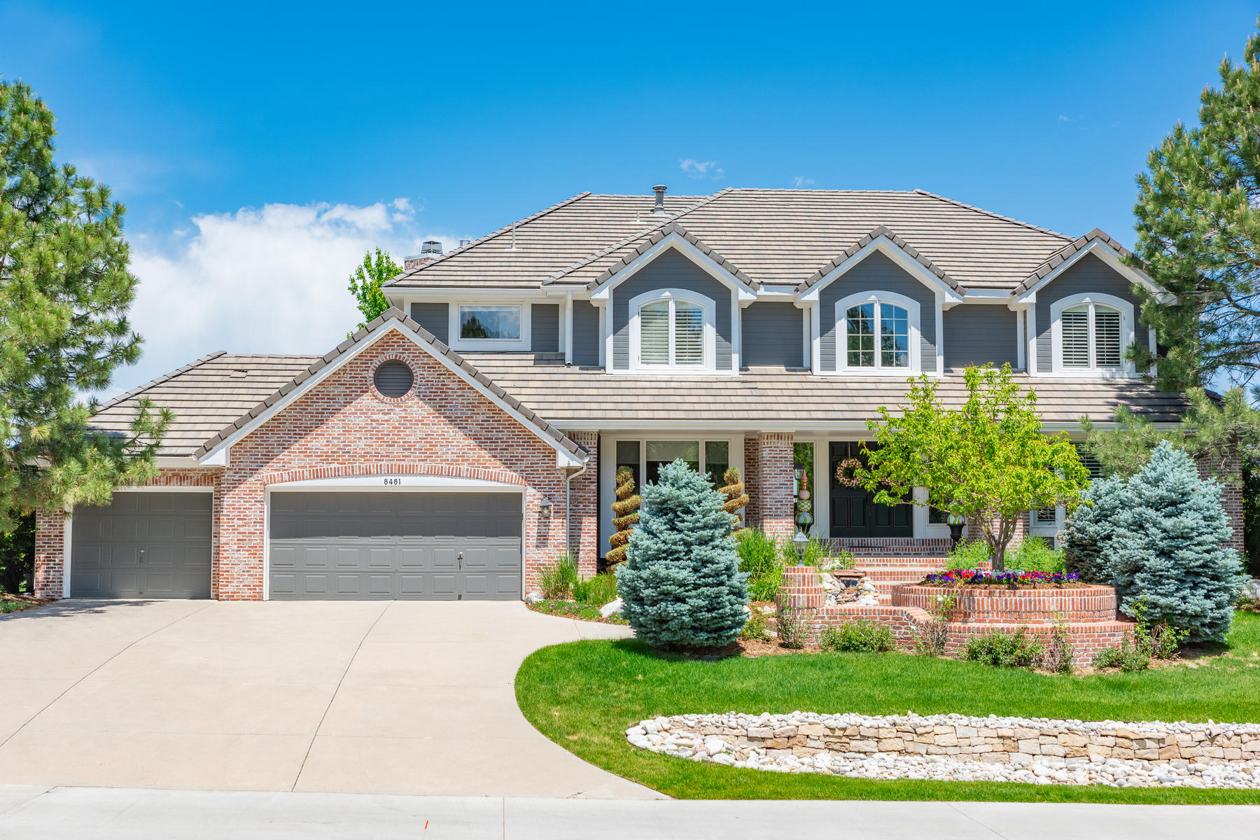 Single Family Homes for Sale at An exceptional home in Heritage Estates perfectly situated on a 1/3 acre lot 8481 Colonial Drive Lone Tree, Colorado 80124 United States