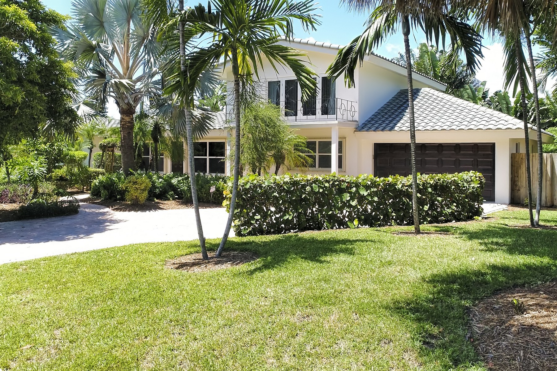 Single Family Home for Sale at 2003 Bay Dr, Pompano Beach, FL 33062 2003 Bay Dr, Pompano Beach, Florida, 33062 United States