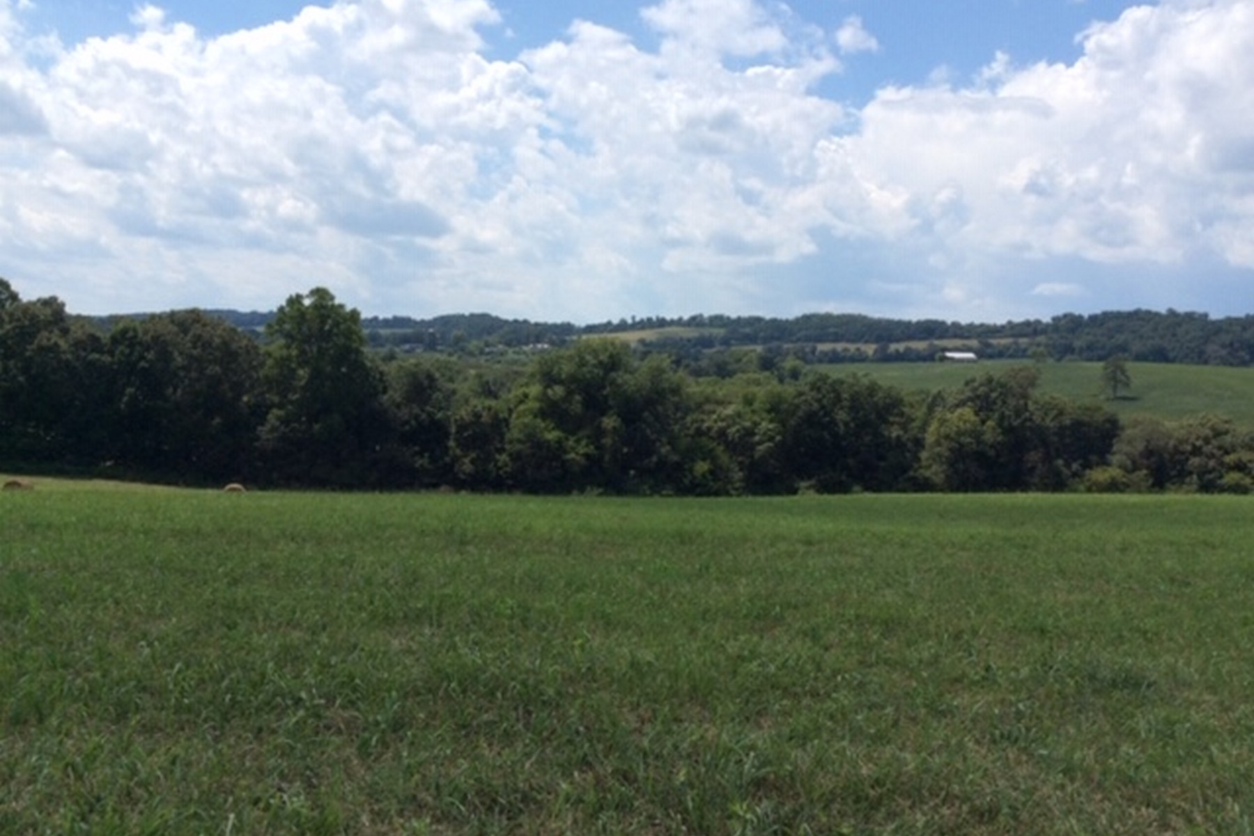 Land for Active at Pastoral Setting For Your Dream Home Dry Valley Road Loudon, Tennessee 37774 United States