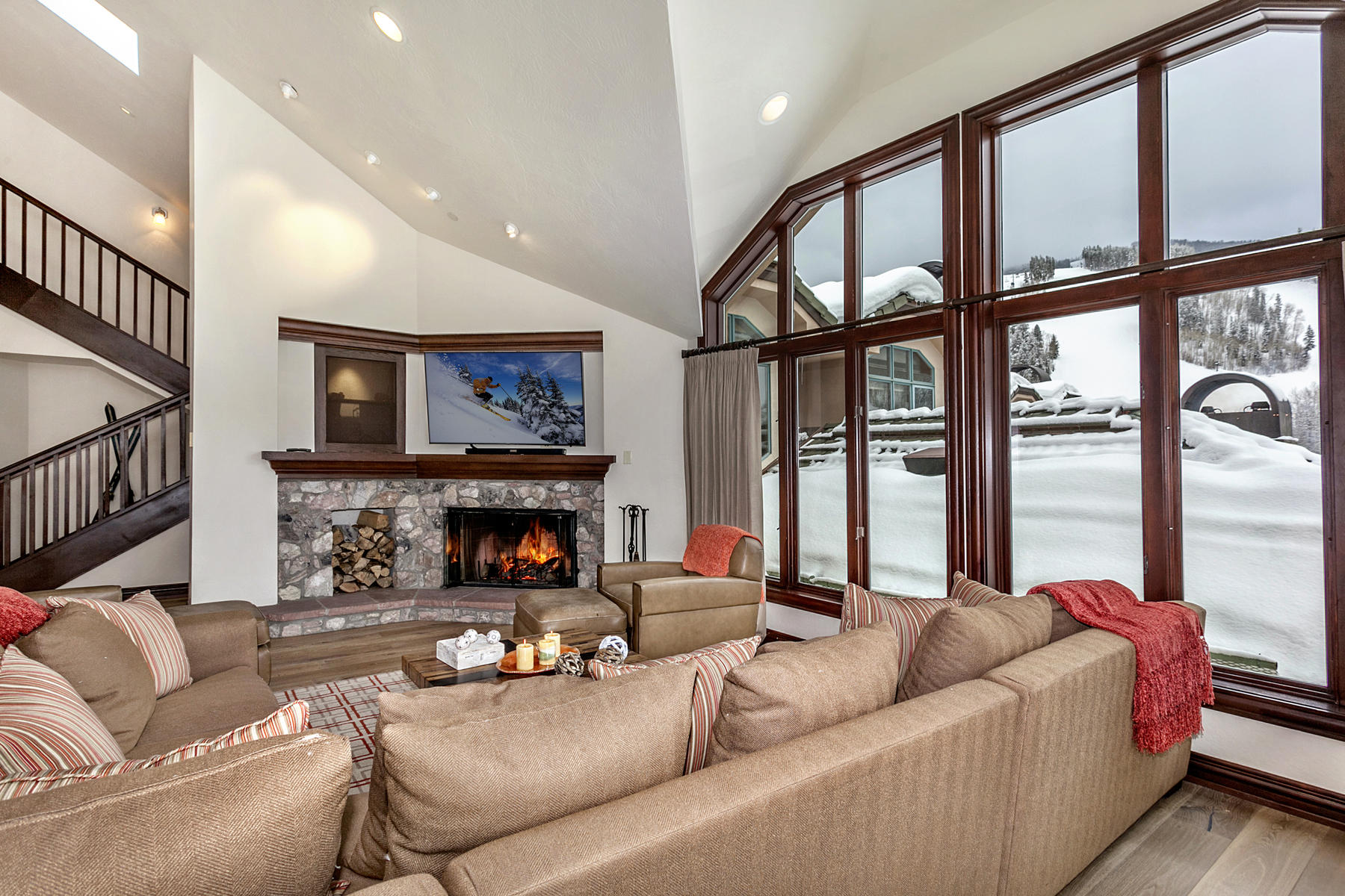 Condominium for Active at Spacious and Sunny Luxury Penthouse in the Heart of Beaver Creek 26 Avondale Lane #602R Beaver Creek, Colorado 81620 United States