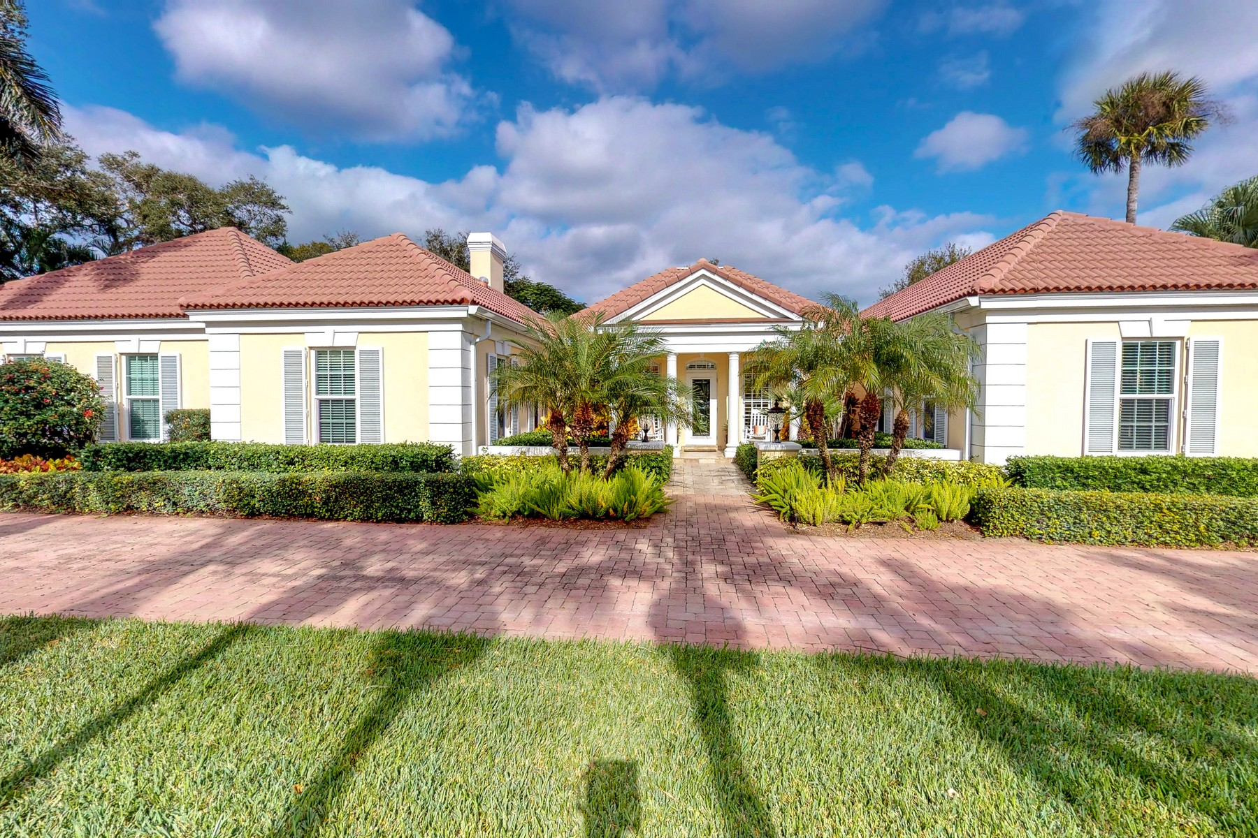 Single Family Home for Sale at This Is It! Paradise in Vero! 411 Shores Drive Vero Beach, Florida 32963 United States
