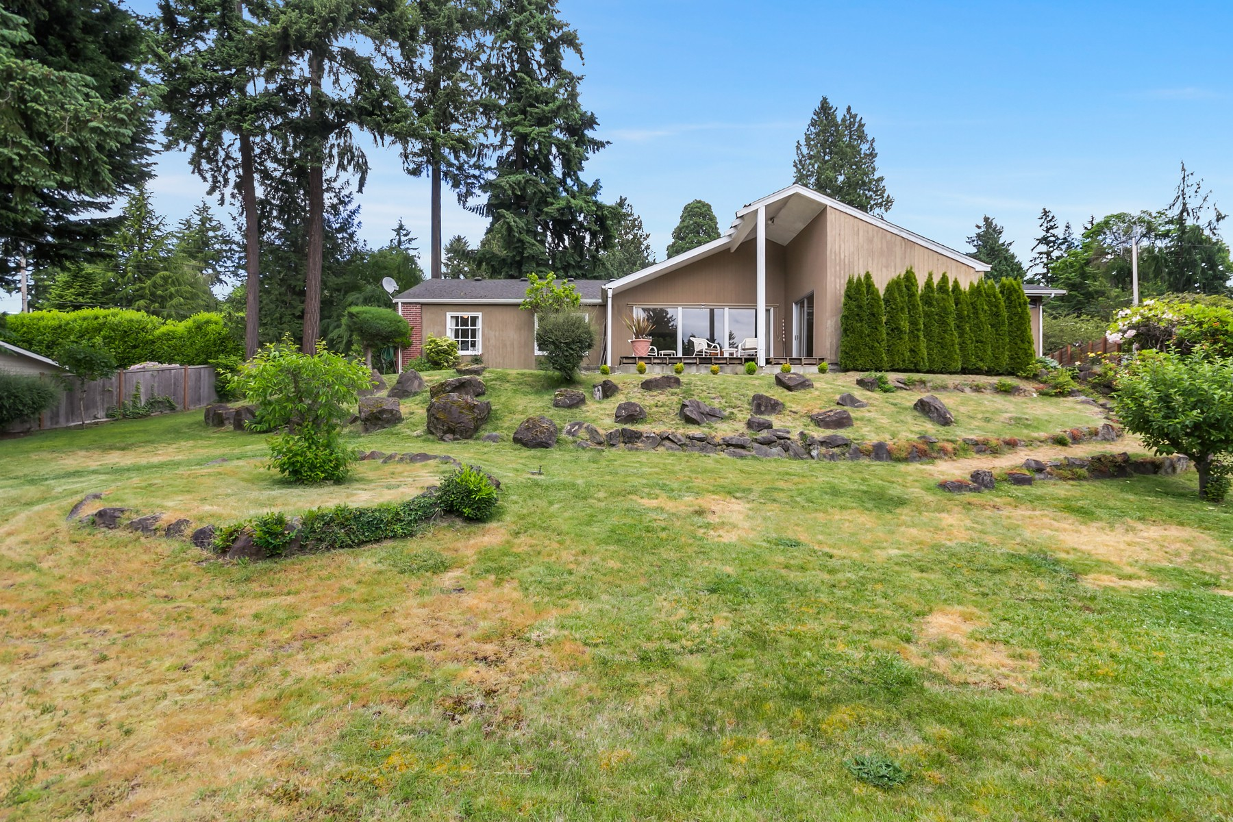 Single Family Home for Sale at Bellevue/Cunninghams Home 8923 NE 1st St Bellevue, Washington, 98004 United States
