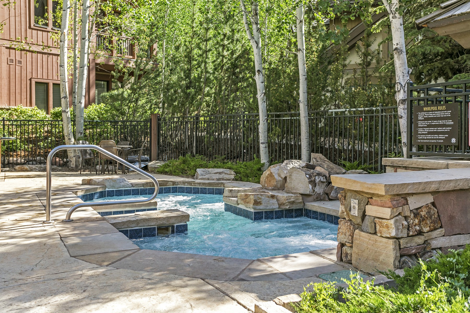 Additional photo for property listing at Village Town Homes At Arrowhead D2 663 Sawatch Drive #D2 Edwards, Colorado 81632 United States
