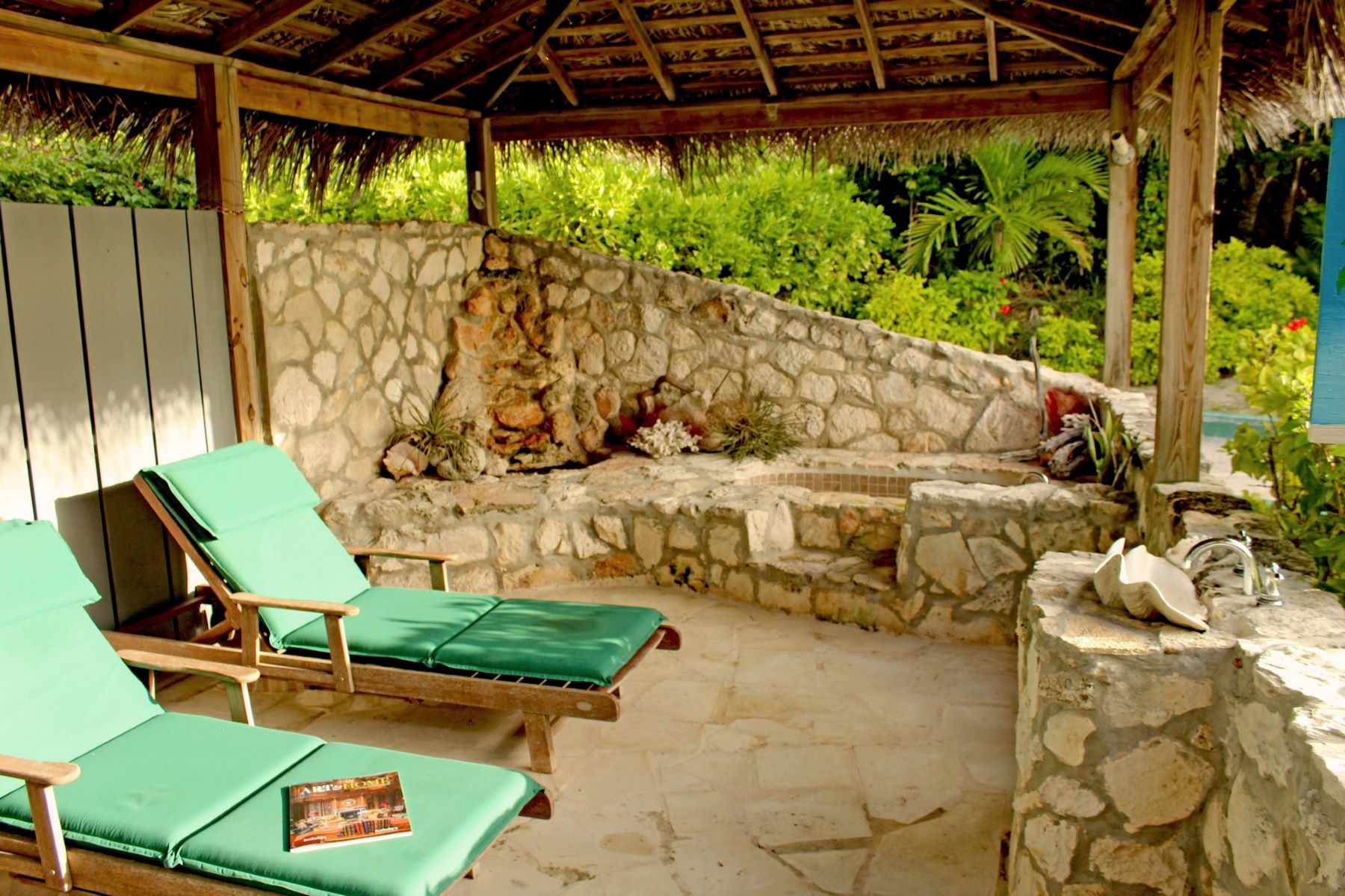 Additional photo for property listing at GUMELEMI BLUFF Harbour Estate Harbour Island, Eleuthera Bahamas
