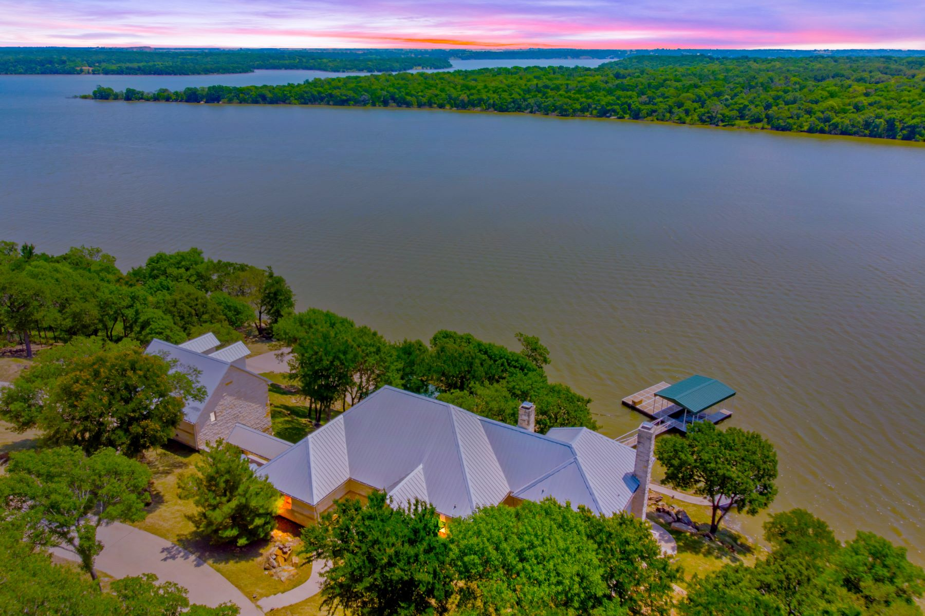 Single Family Homes por un Venta en Exquisite Lake Bridgeport Property 180 Moonlight Bay, Chico, Texas 76431 Estados Unidos