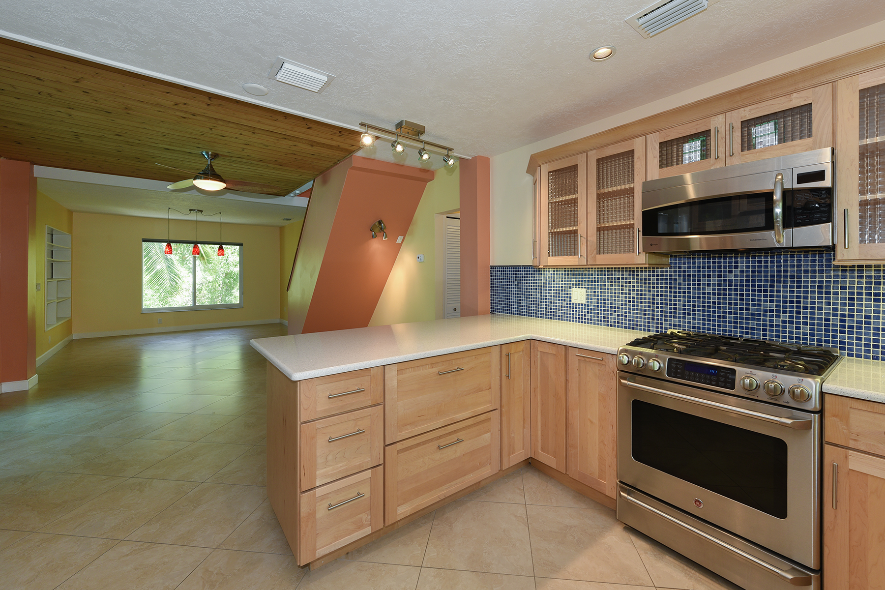 Additional photo for property listing at Desirable Port Largo Location 213 Atlantic Blvd Key Largo, Florida 33037 Usa