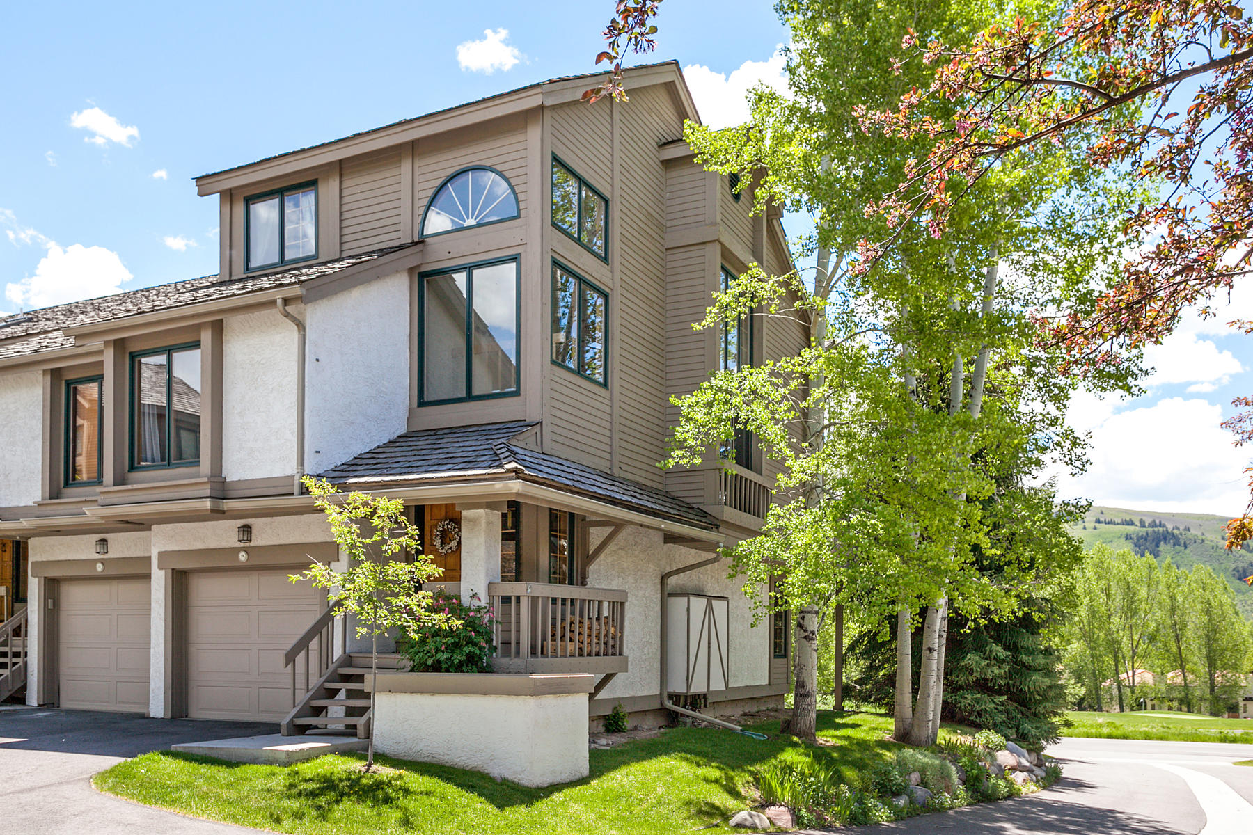 Townhouse for Active at Singletree Persimmon Woods Townhome #33 931 Singletree Road #33 Edwards, Colorado 81632 United States