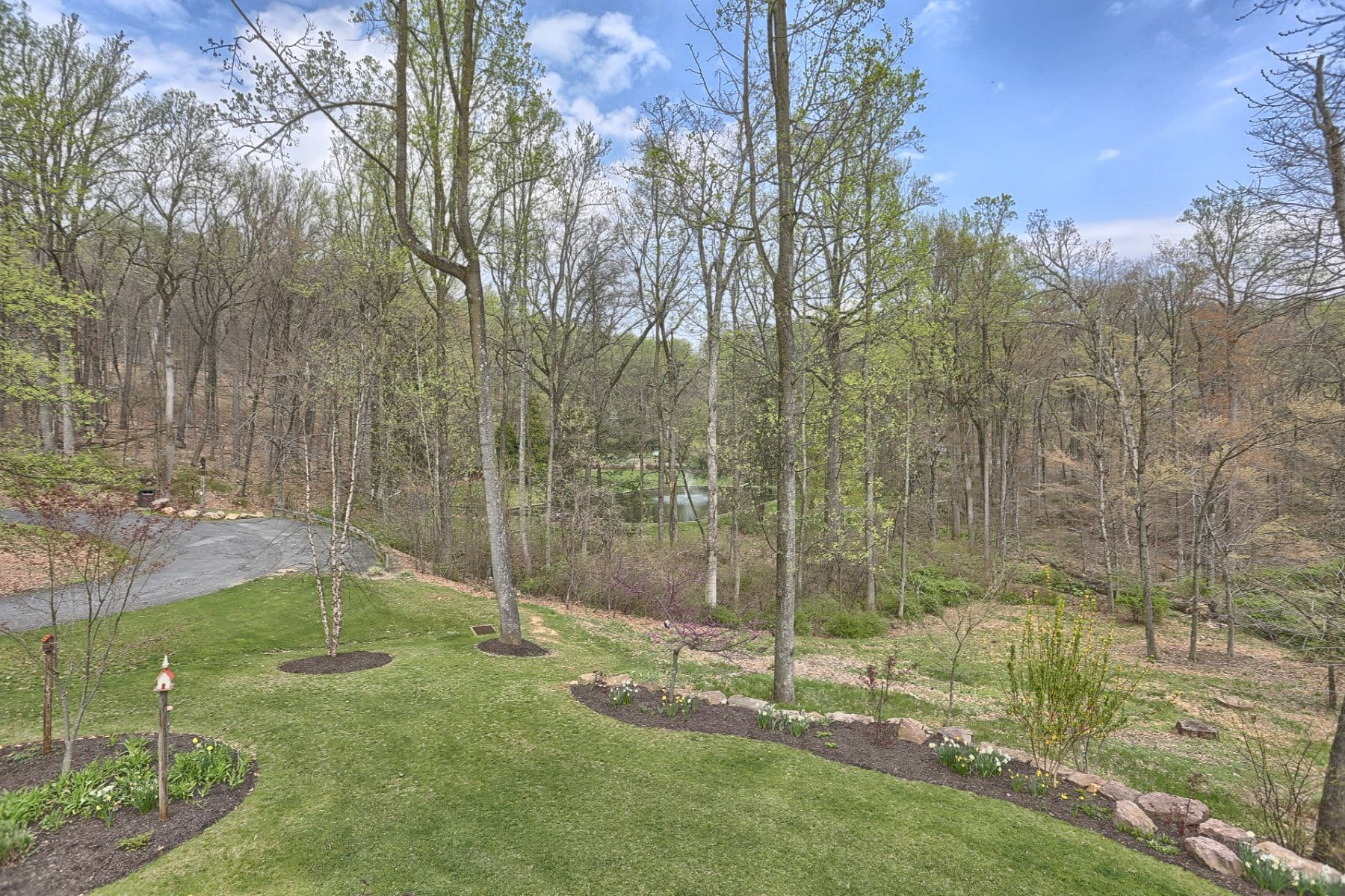 Additional photo for property listing at 3 Stone Pond Lane  Wernersville, Pennsylvania 19565 United States