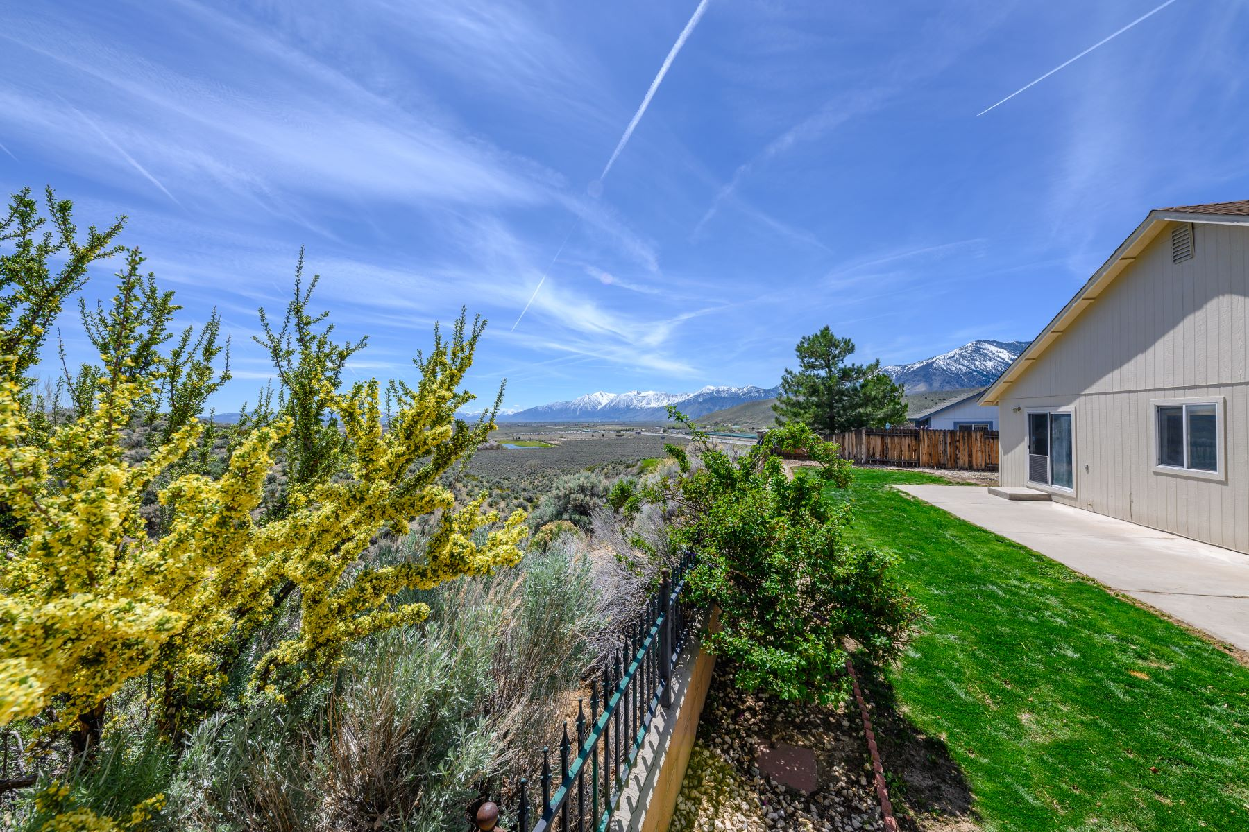 Additional photo for property listing at 957 Ranchview Circle, Carson City, NV 89705 957 Ranchview Circle Carson City, Nevada 89705 United States
