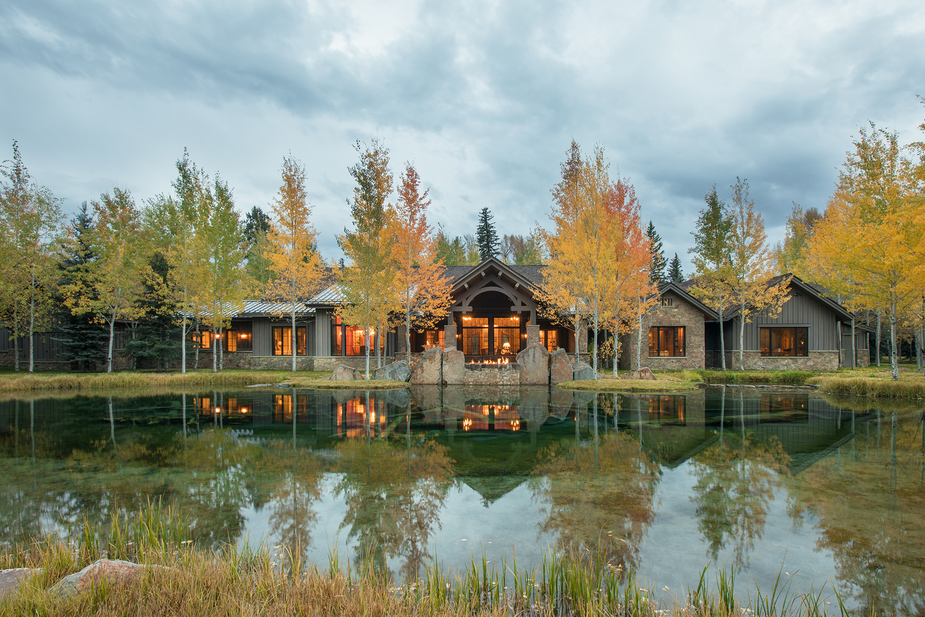Single Family Homes pour l Vente à 7555 Bar B Bar River Road Jackson, Wyoming 83001 États-Unis