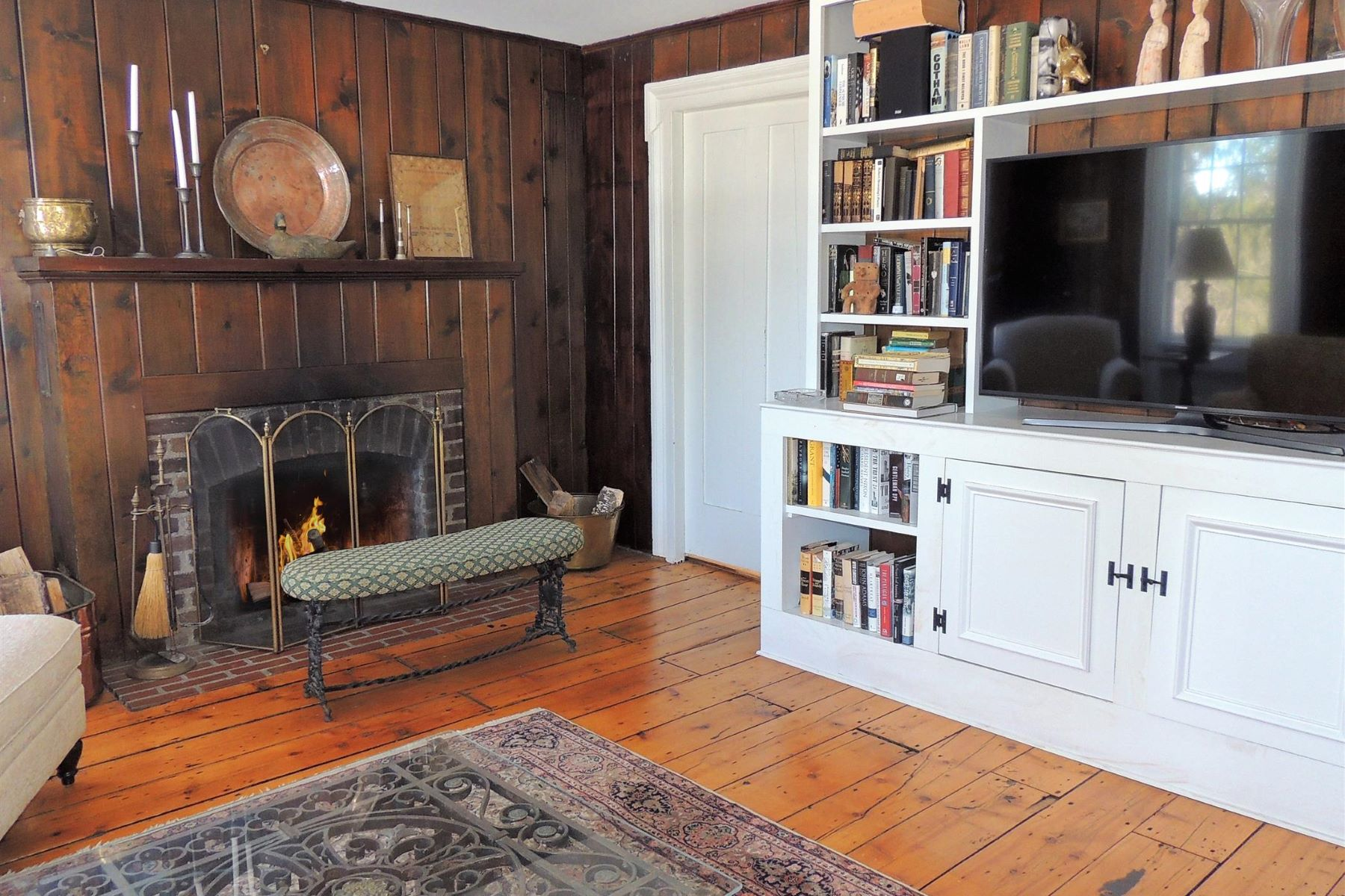 Additional photo for property listing at Enchanting Escape 67 Blodgett Road Ancram, New York 12503 United States