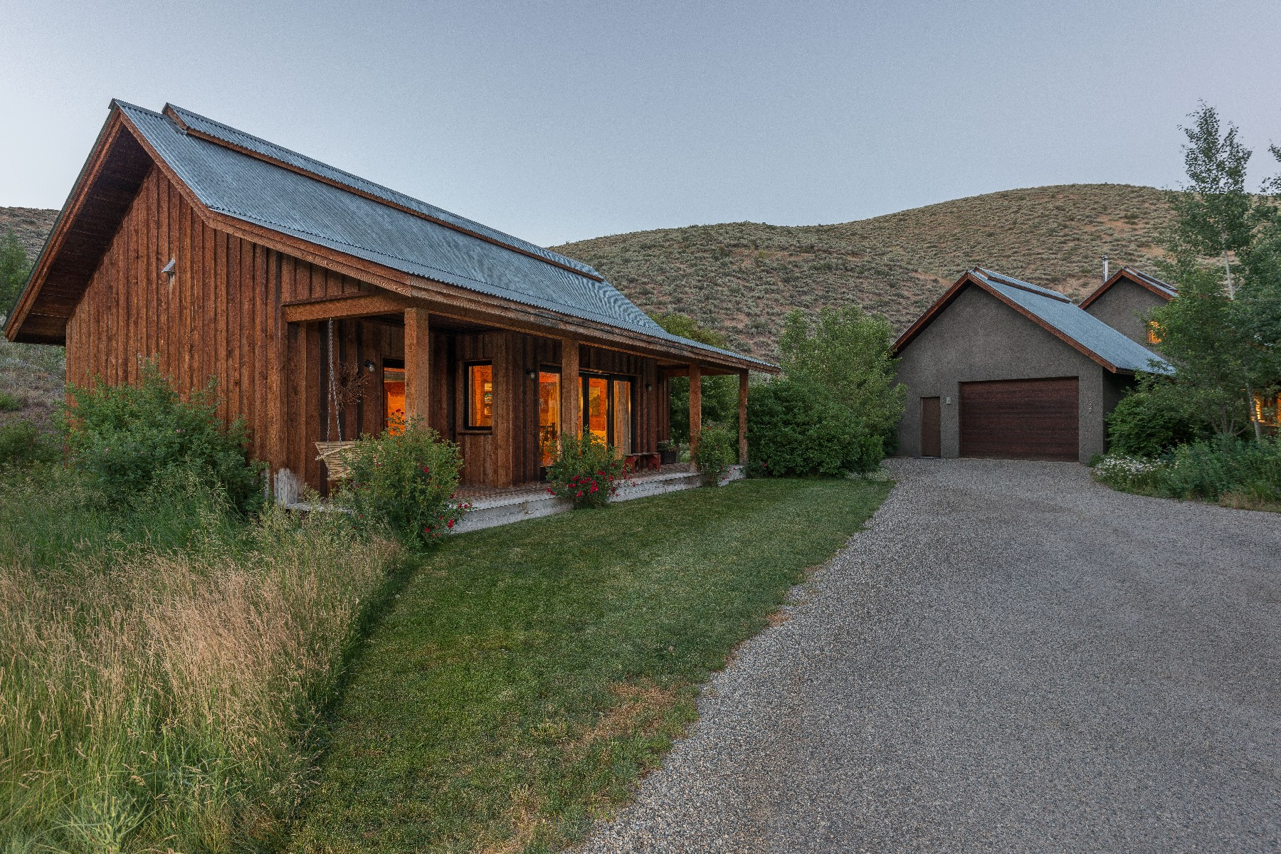 Additional photo for property listing at Mountain Contemporary with Privacy 224 Red Devil Dr Hailey, Idaho 83333 United States