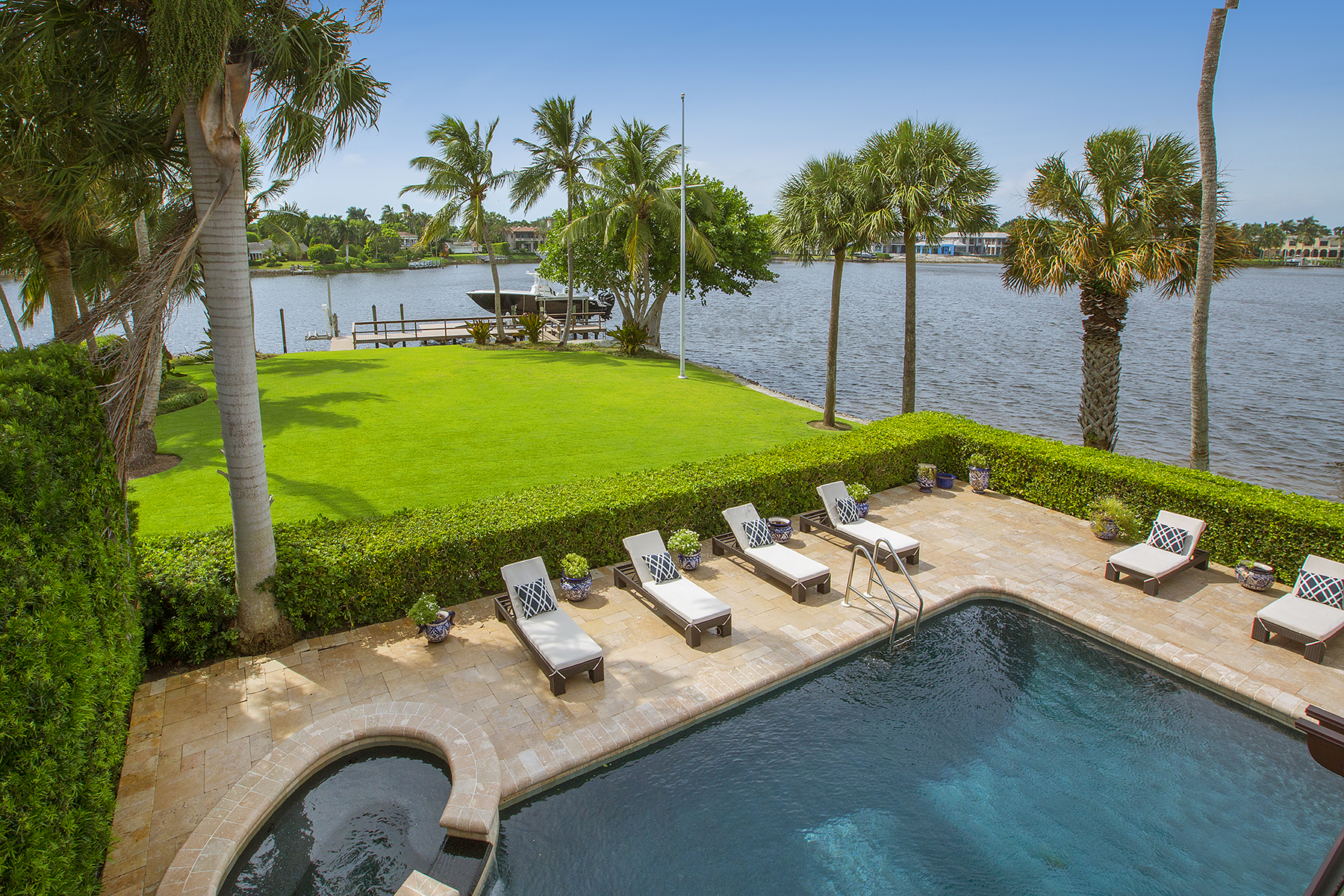 Single Family Home for Sale at PORT ROYAL 958 Spyglass Ln Naples, Florida 34102 United States