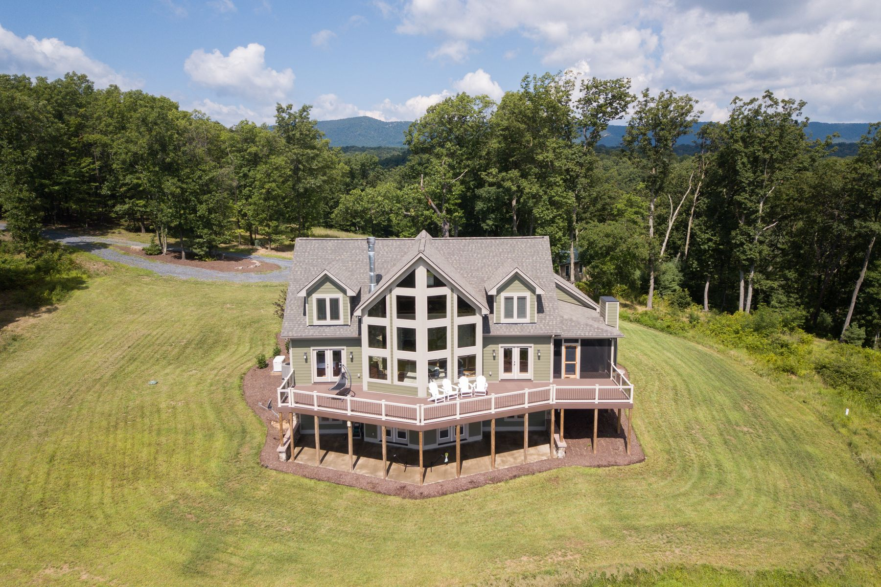 Single Family Home for Sale at Supinlick Ridge Retreat 13884 Supinlick Ridge RD Mount Jackson, Virginia 22842 United States
