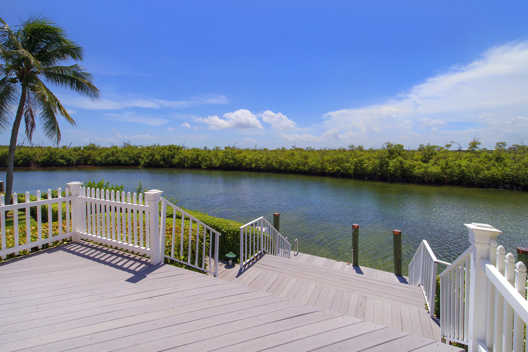 Additional photo for property listing at Prestigious Waterfront Living at Ocean Reef 13 Osprey Lane Key Largo, Florida 33037 États-Unis