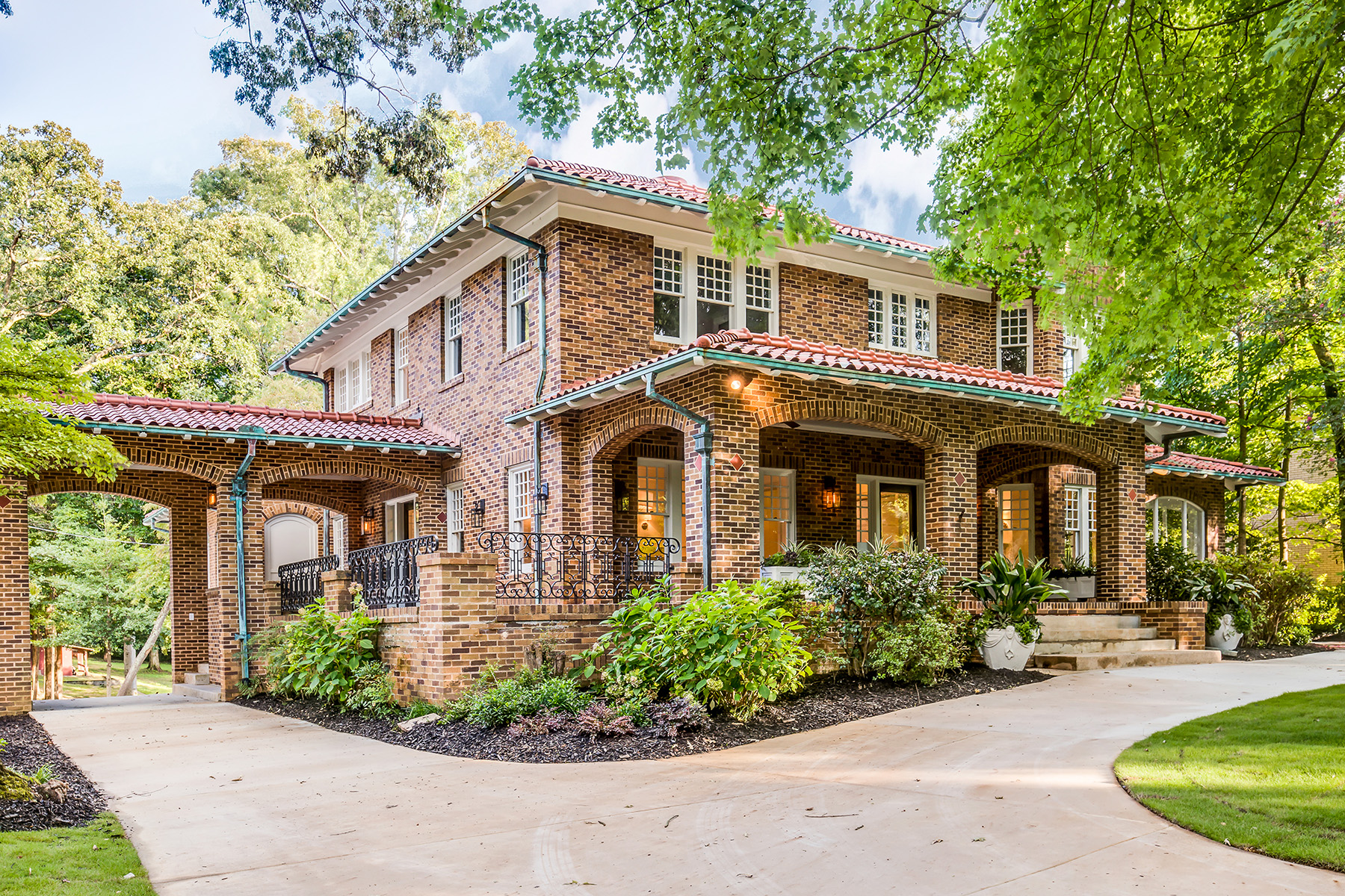 Single Family Home for Sale at Masterfully Renovated 1916 Masterpiece by Leila Ross Wilburn 923 Springdale Road Ne Atlanta, Georgia 30306 United States