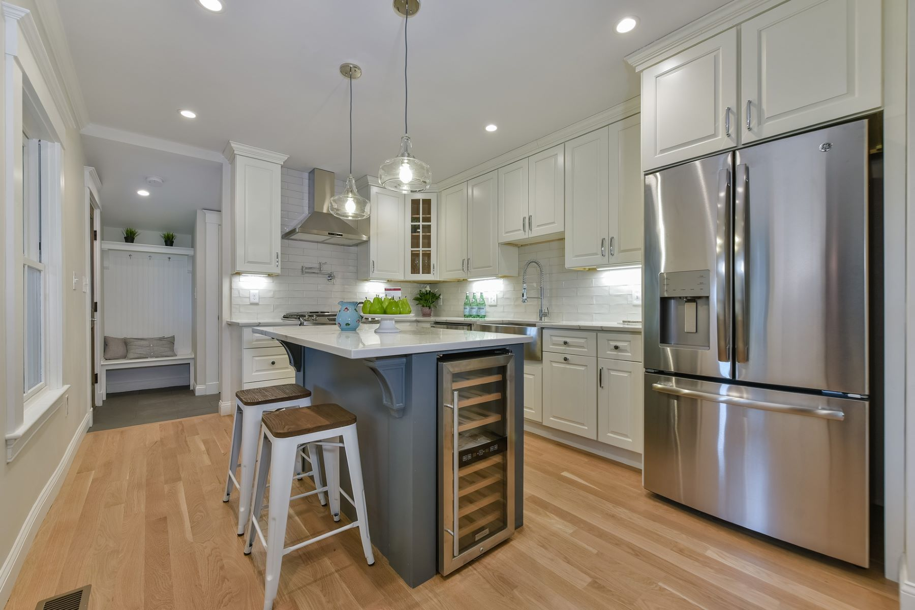 Appartement en copropriété pour l Vente à 31 Oak Street 31, Newton 31 Oak St 31 Newton, Massachusetts, 02464 États-Unis