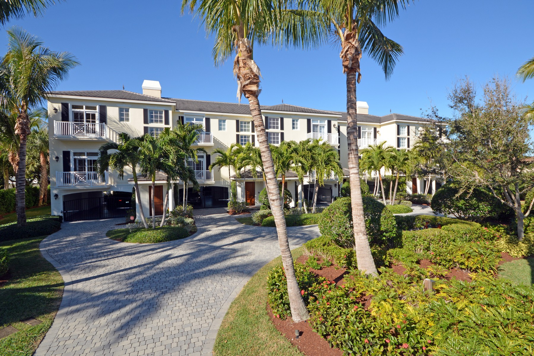 Single Family Homes for Sale at Elegant Three Story Townhouse, One Block From the Ocean 4121 Silver Palm Drive Vero Beach, Florida 32963 United States
