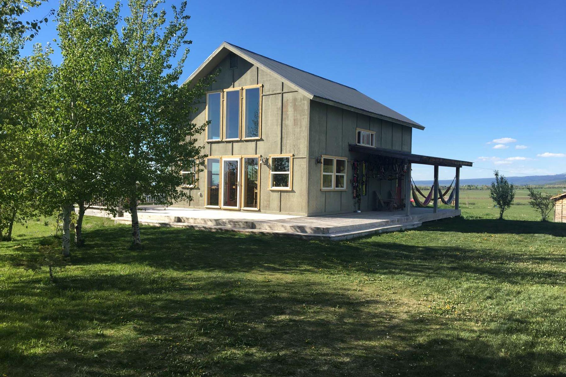 独户住宅 为 销售 在 Fox Creek Country Home on 5 Acres 1690 Shire Dr 维克多, 爱达荷州, 83455 Jackson Hole, 美国